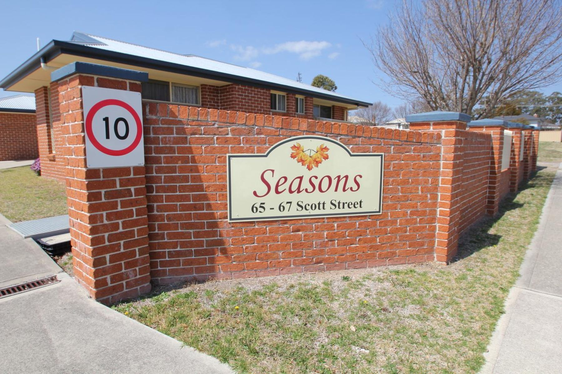 65-67  Scott Street, Tenterfield, NSW 2372