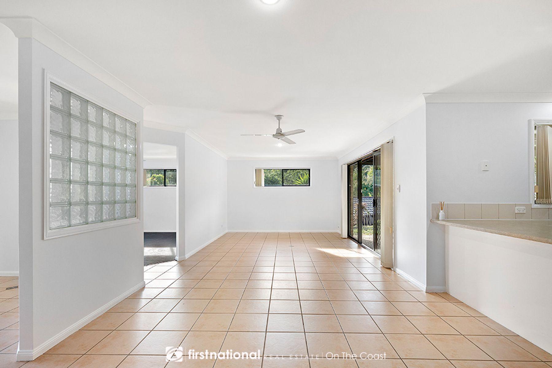49 Tipuana Drive, Elanora, QLD 4221