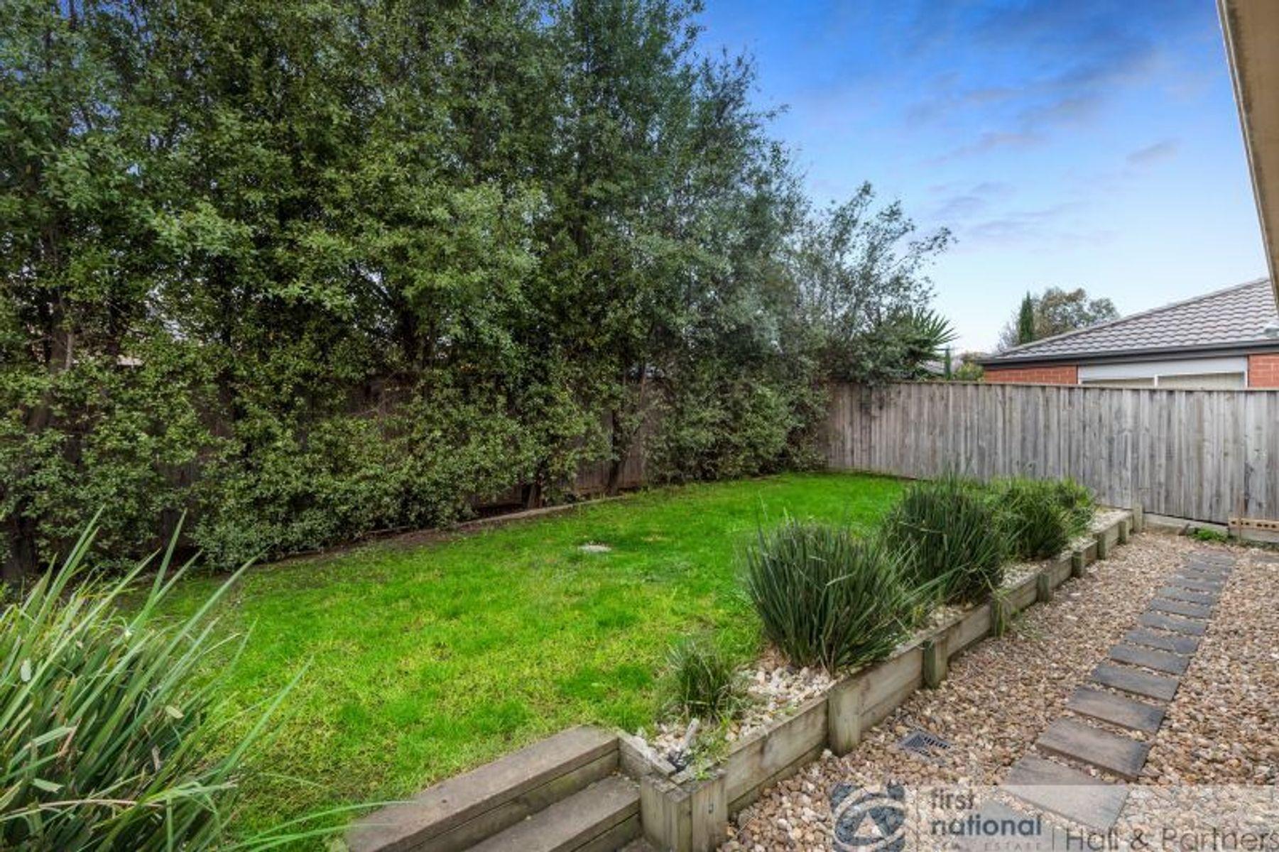 9 Kimberley Grove, Pakenham, VIC 3810