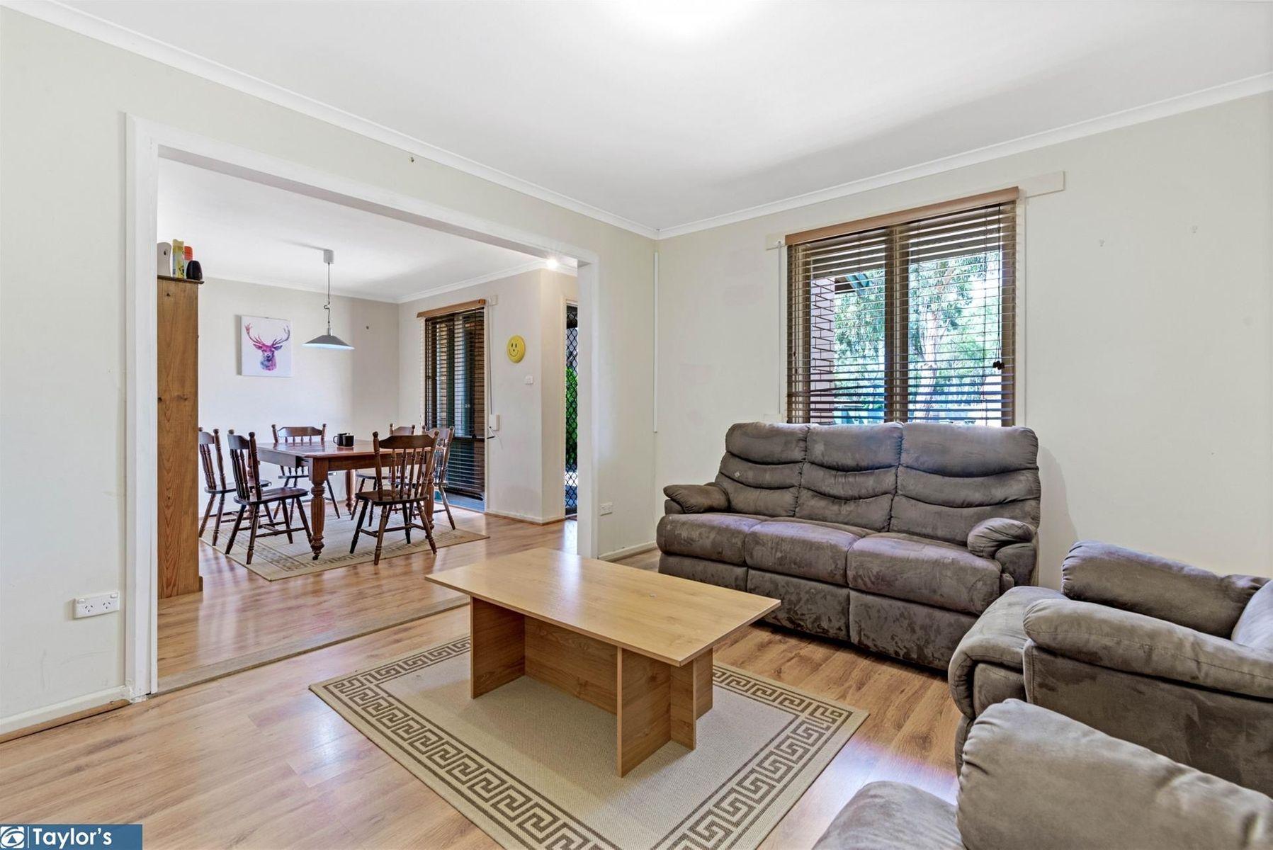 16 Kennion Crescent, Para Hills West, SA 5096