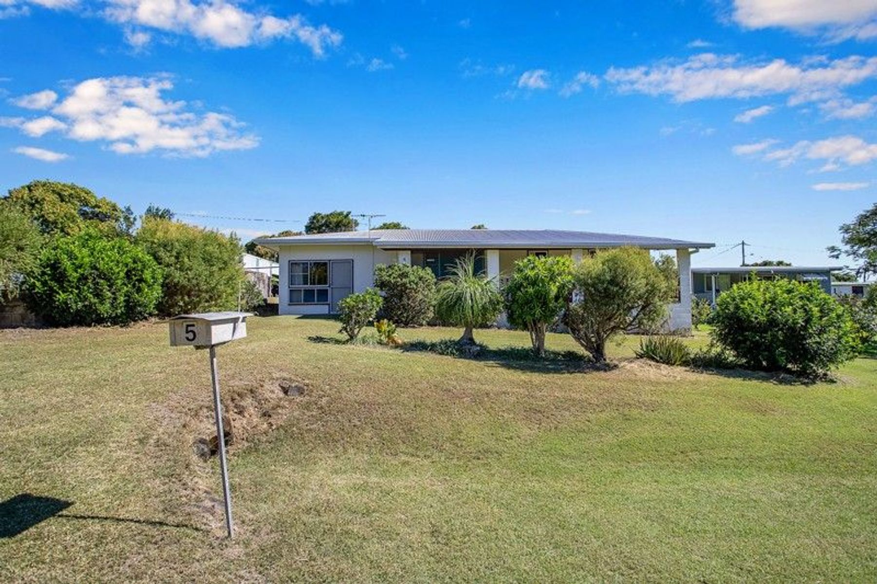 5 Repulse Esplanade, St Helens Beach, QLD 4798