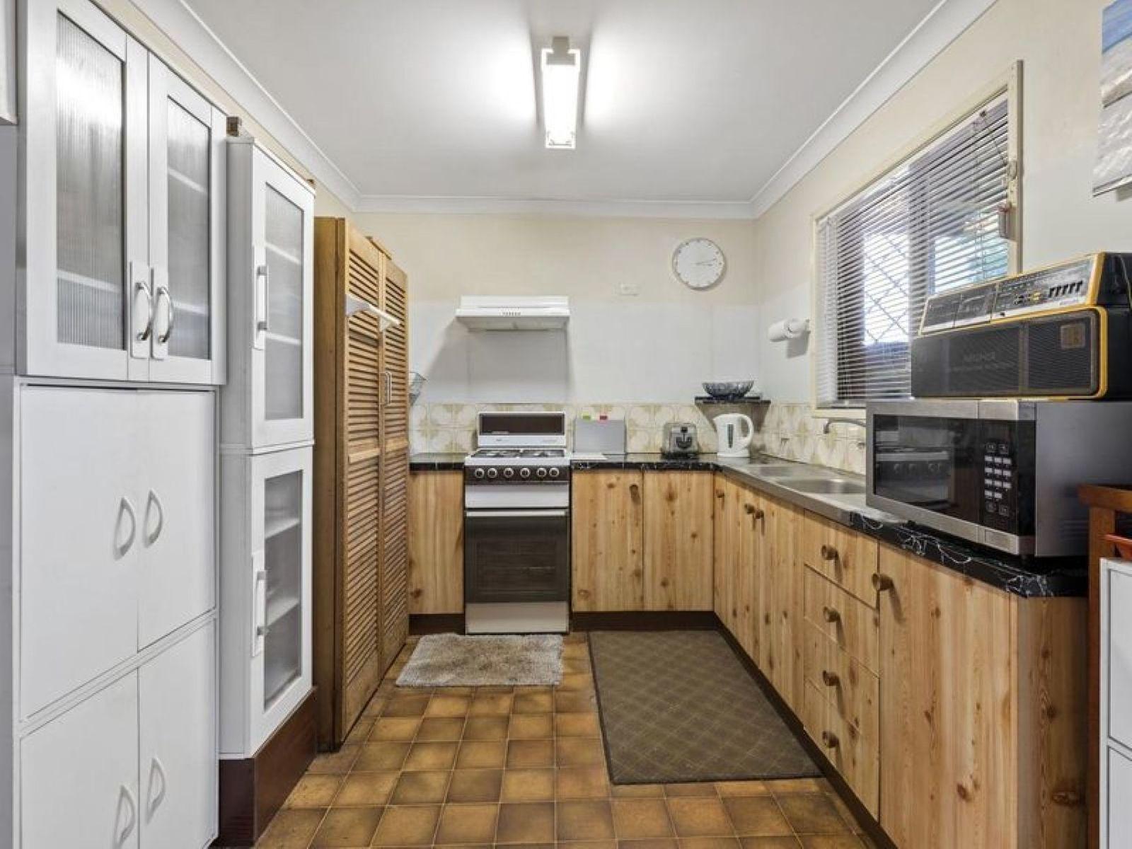 5 Chardonnay Street, Wilsonton Heights, QLD 4350