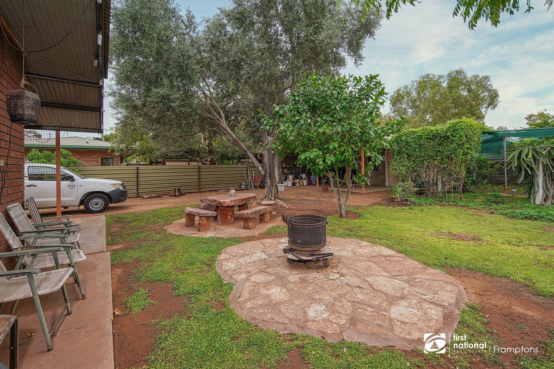 9 Hillside Gardens, Desert Springs, NT 0870