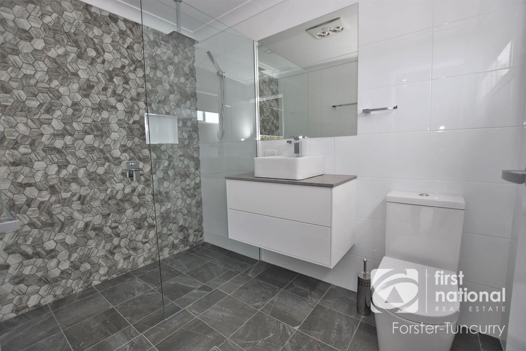 1/8 Bakara Court, Forster, NSW 2428