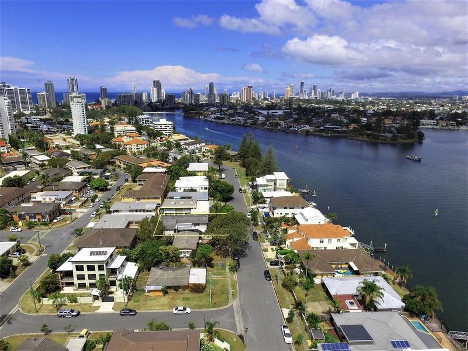 2/23 Sunset Boulevard, Surfers Paradise, QLD 4217
