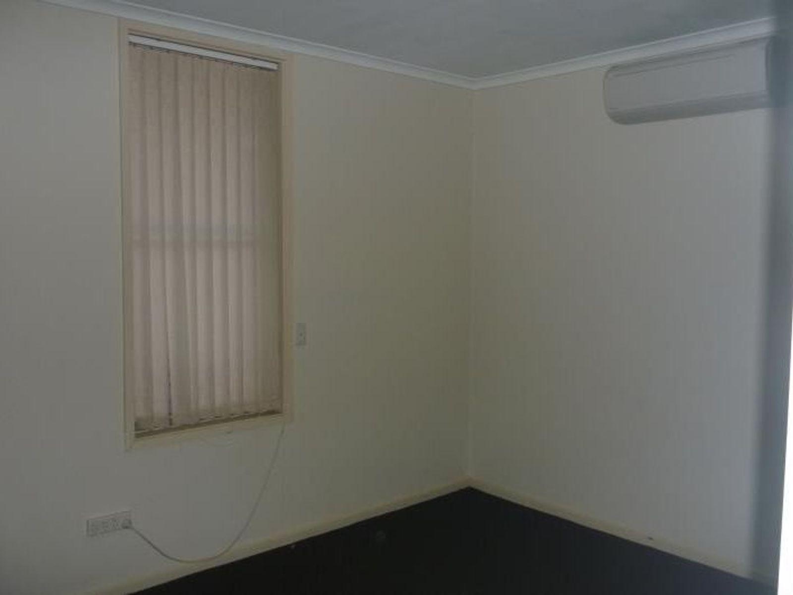 8 Plowman Street, Gillen, NT 0870