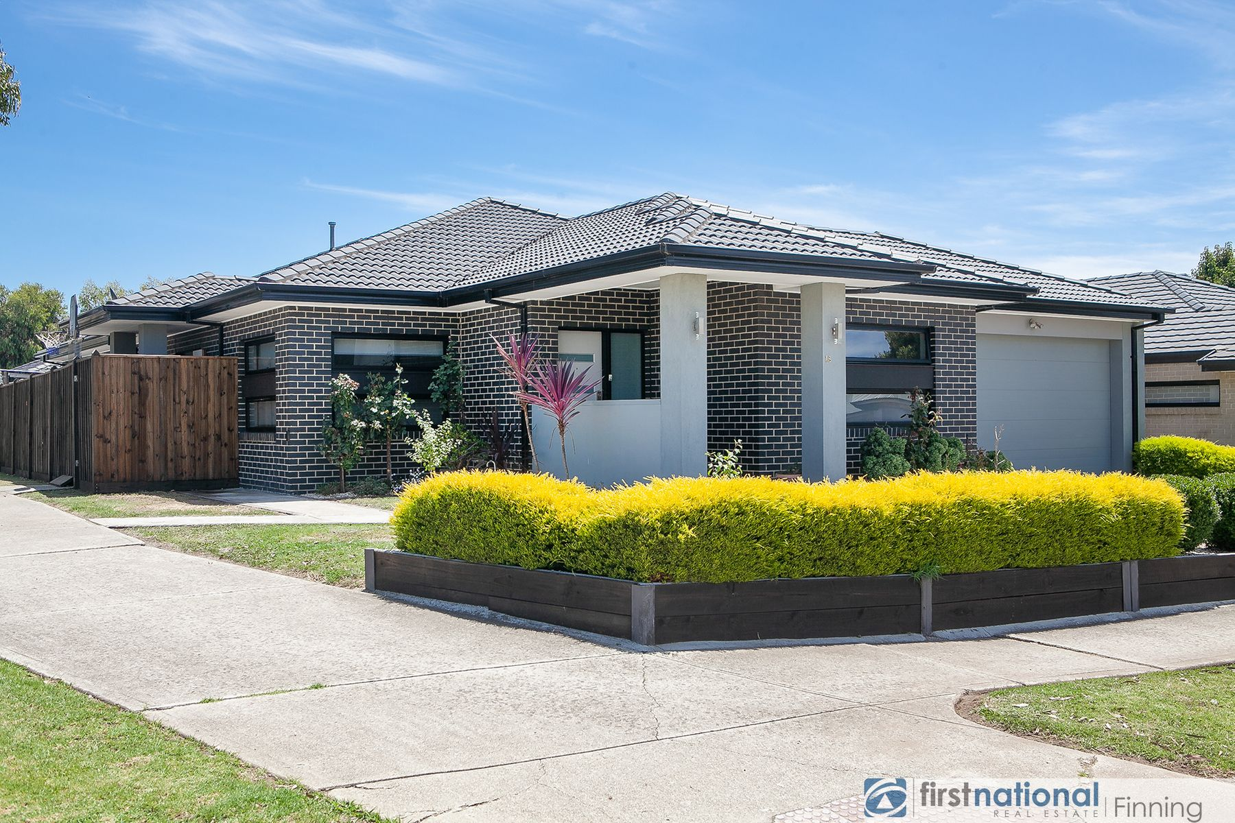 18 John Russell Road, Cranbourne West, VIC 3977