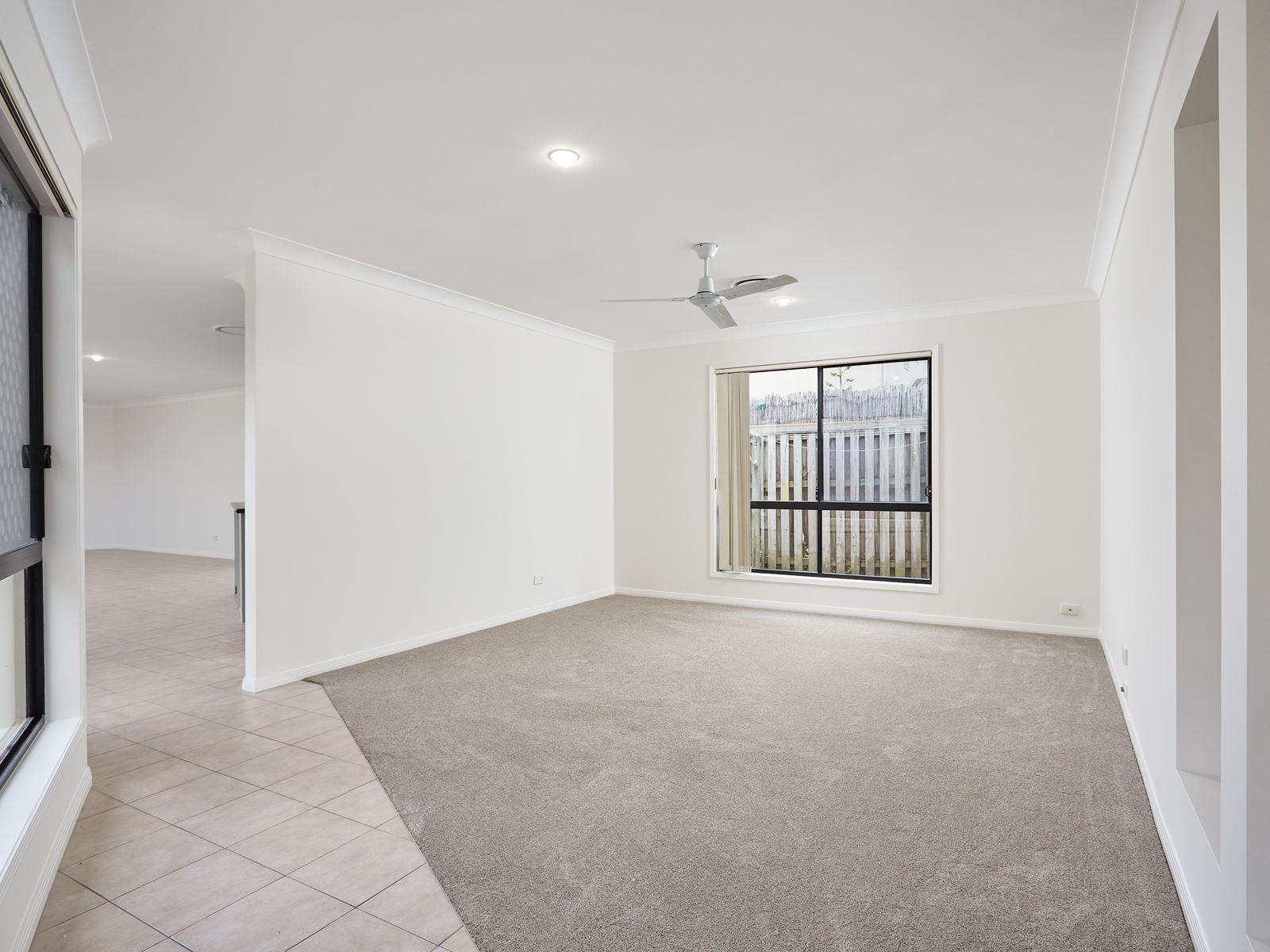 3 Arragan Court, Pacific Pines, QLD 4211