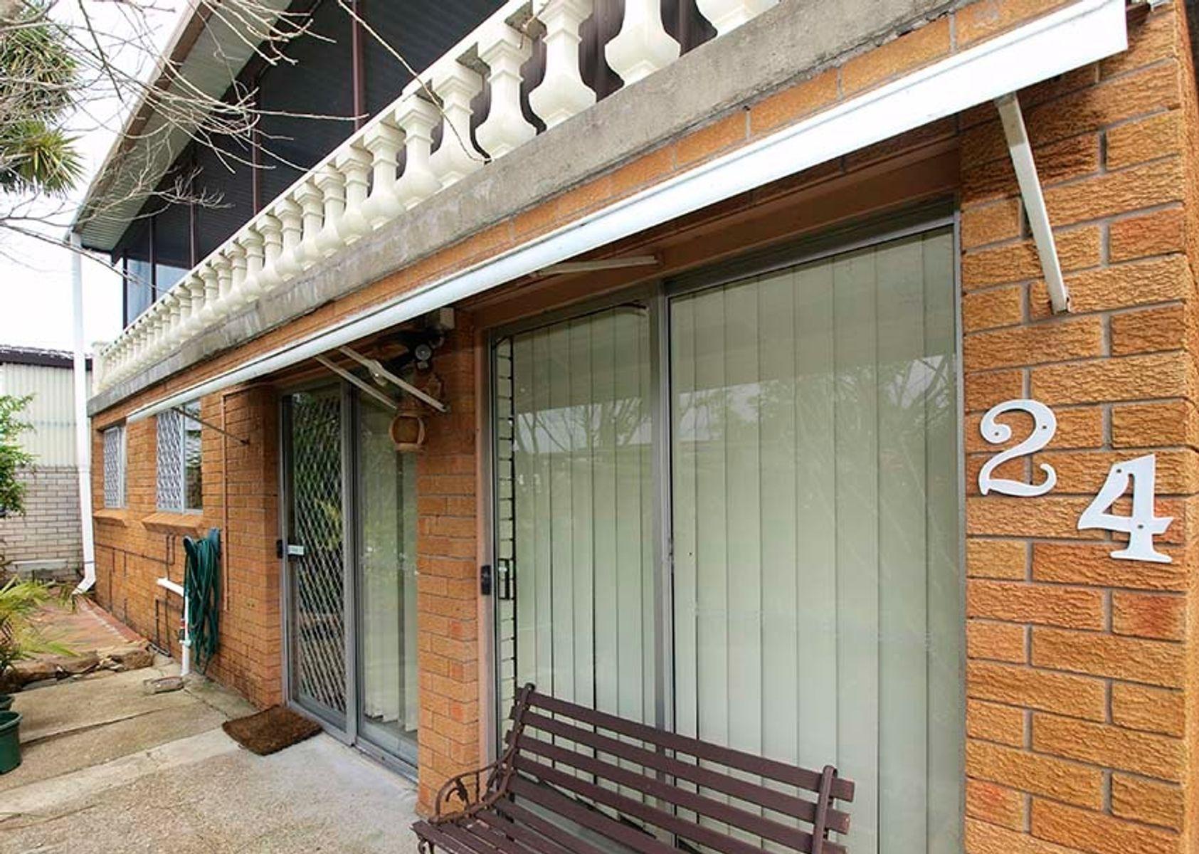 1/24 Calverton Crescent, Belmont North, NSW 2280