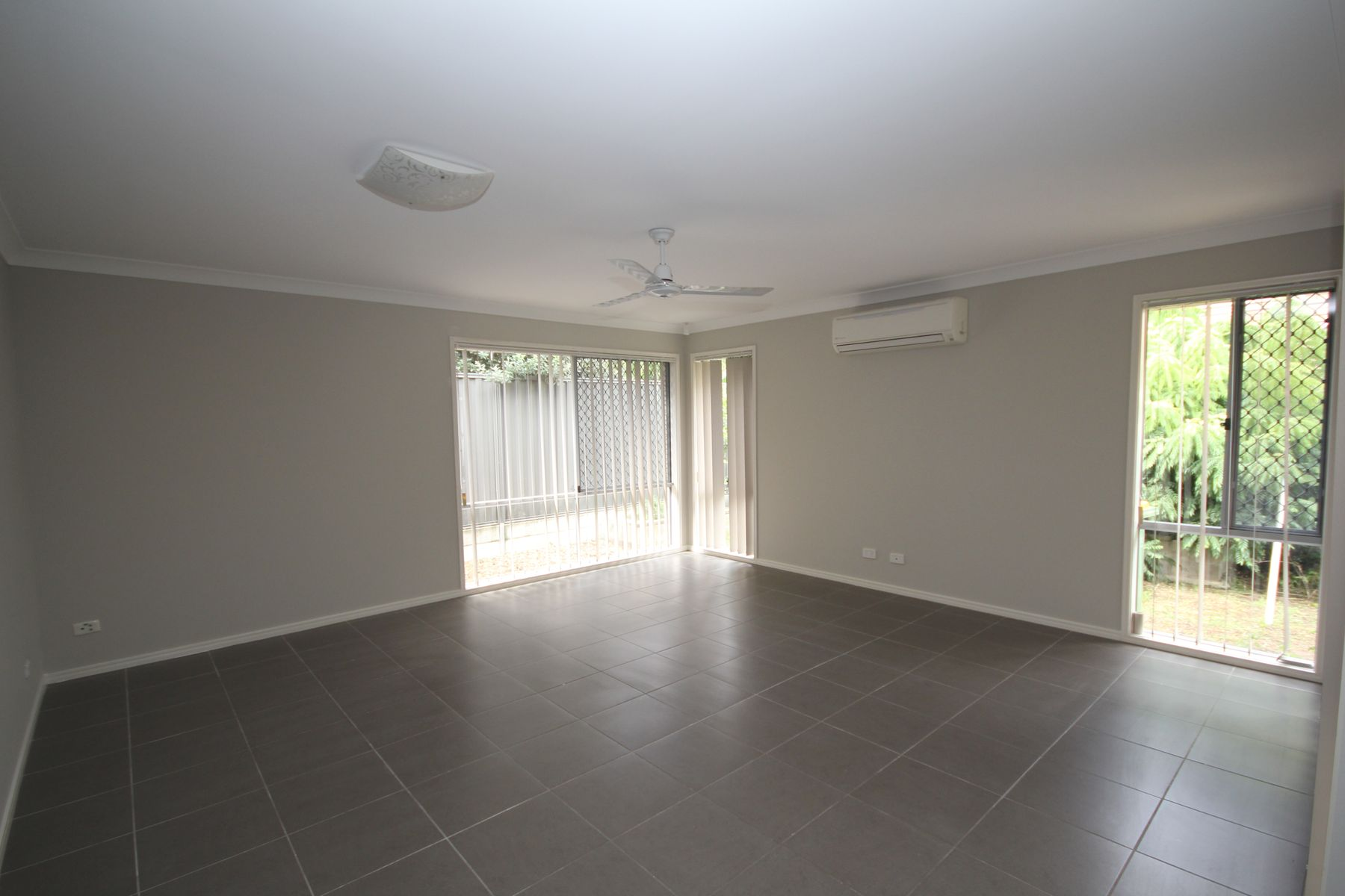 28 Admiral Crescent, Springfield Lakes, QLD 4300