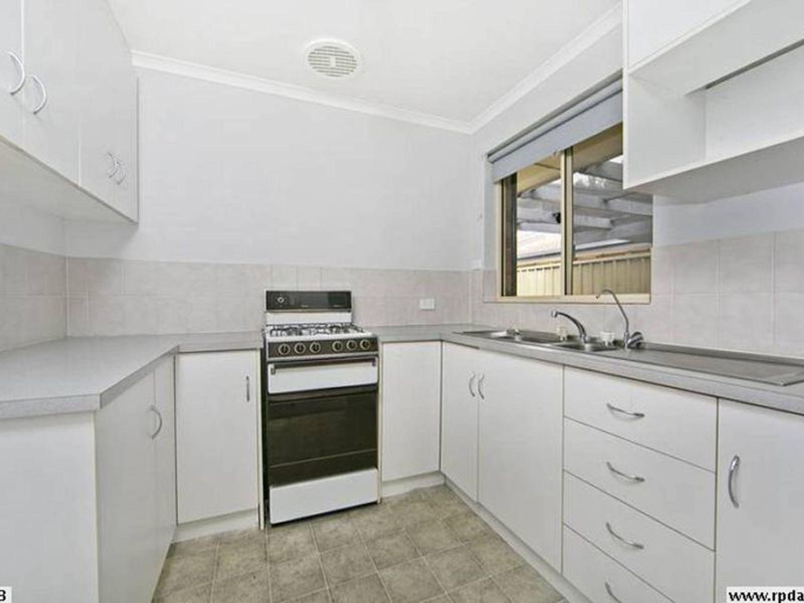 2/21 Hillrise Court, Wynn Vale, SA 5127