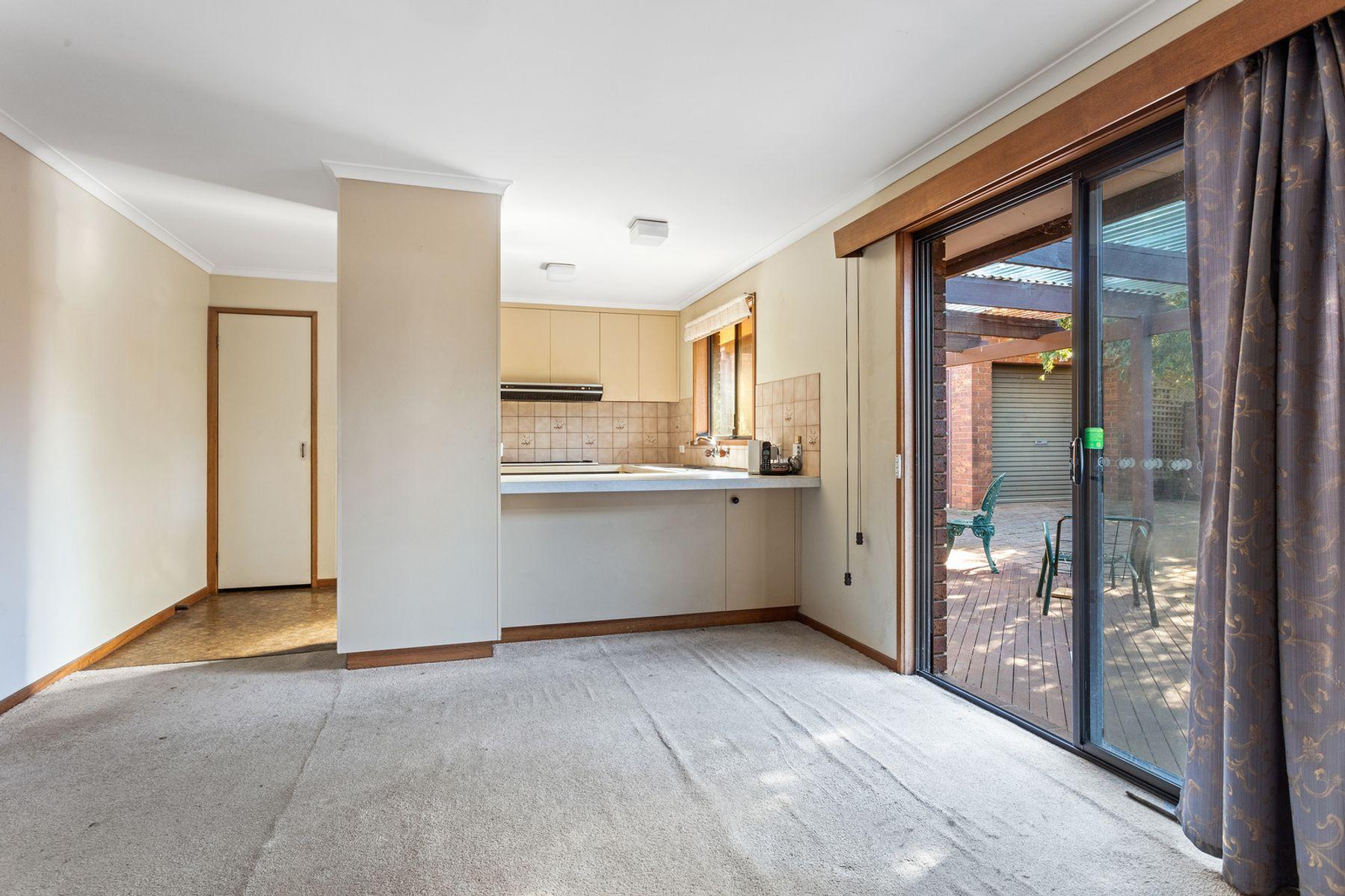 36 Thomas Street, Kangaroo Flat, VIC 3555