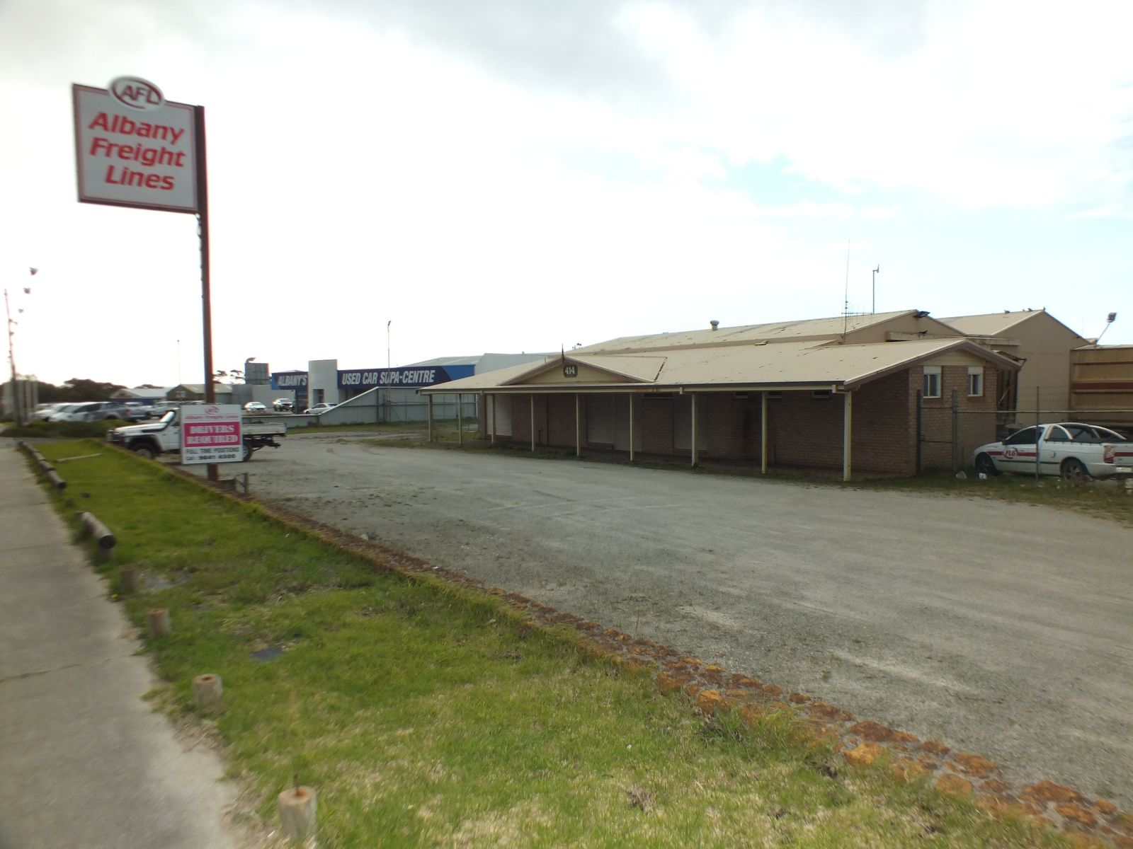 414 Albany Highway, Orana, WA 6330