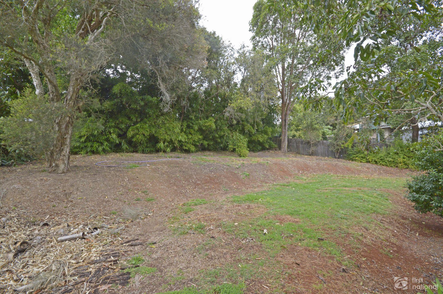 8 Kalmia Court, Tamborine Mountain, QLD 4272