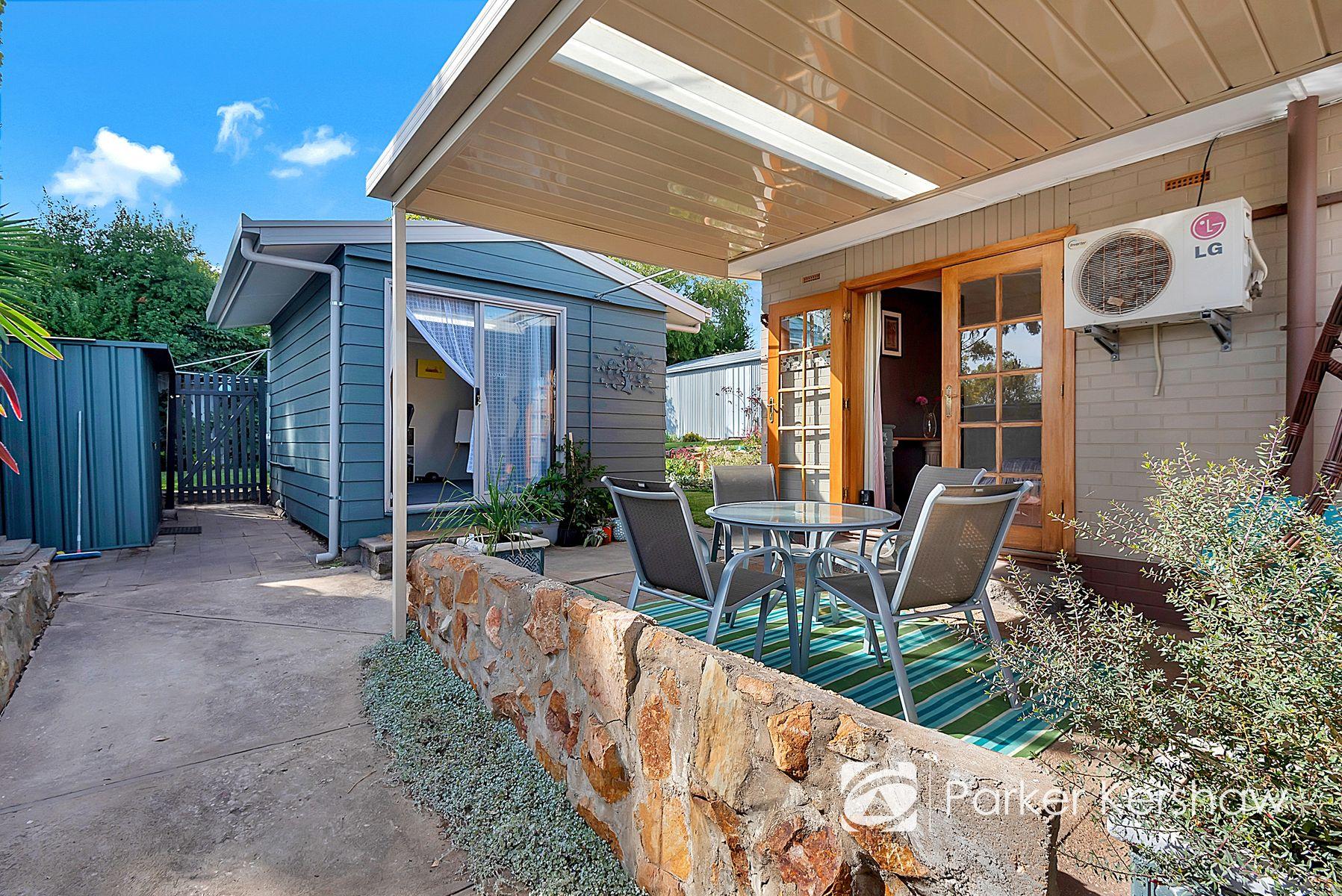18 Flinders Drive, Valley View, SA 5093