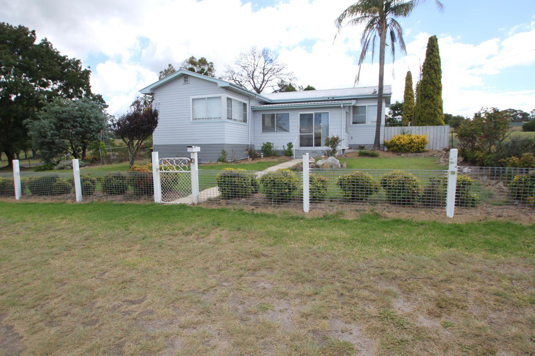4 Erindee Avenue, Tenterfield, NSW 2372