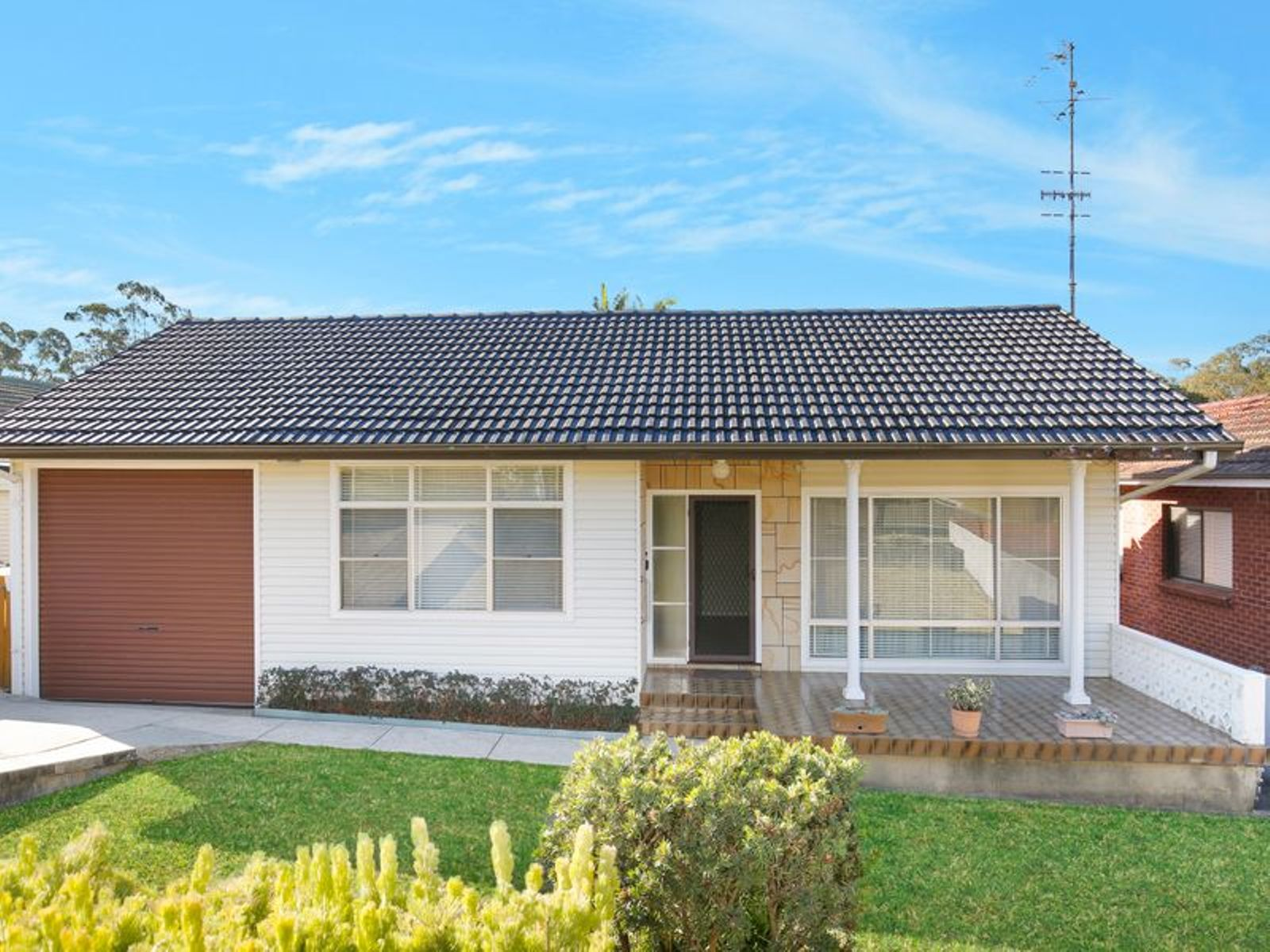 16 Beatus Street, Unanderra, NSW 2526