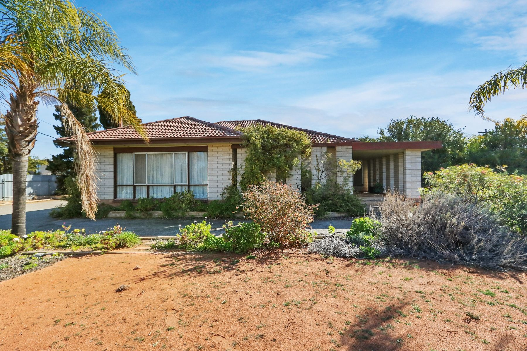 27 Brooks Street, Broken Hill, NSW 2880