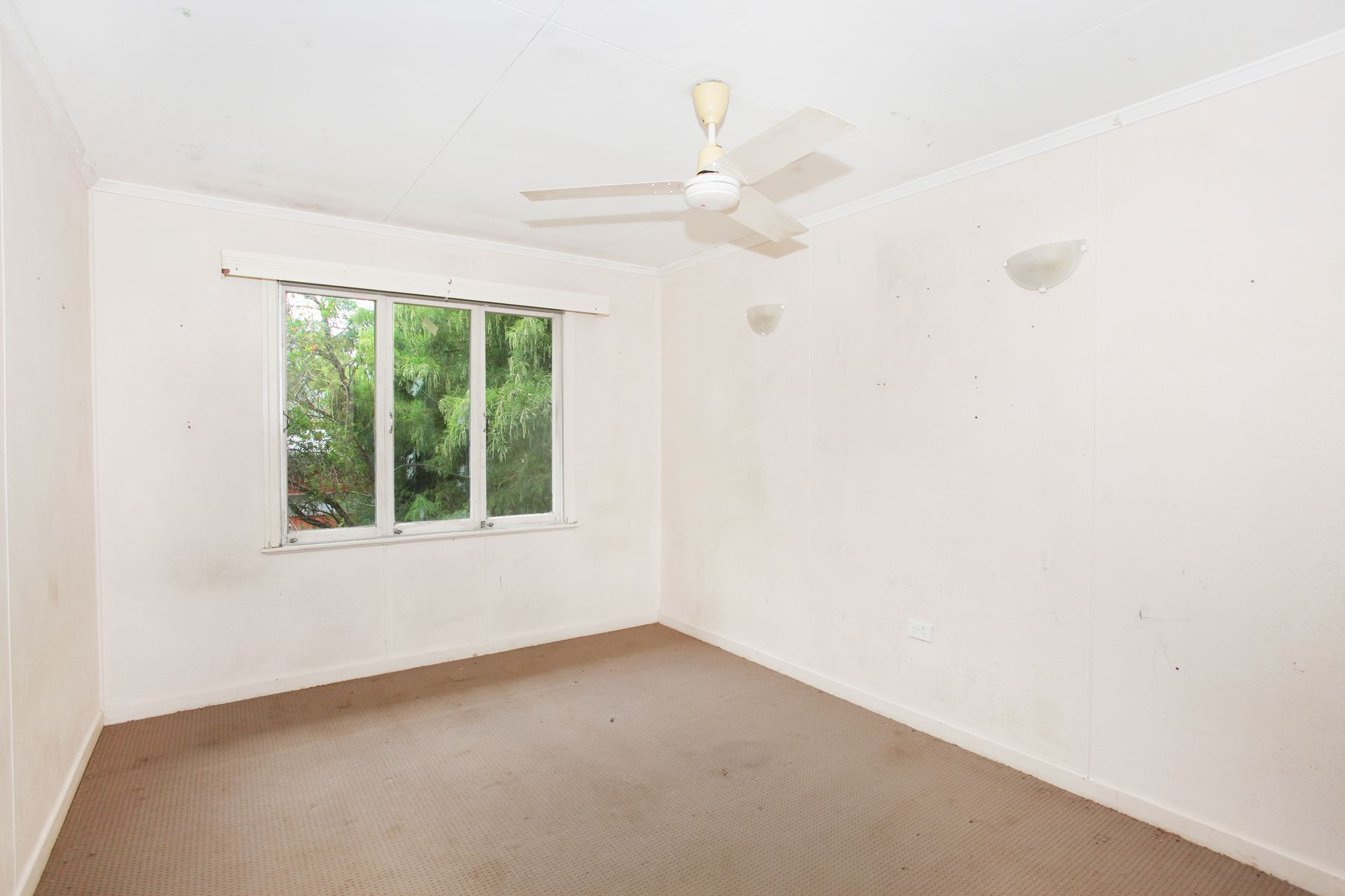 6 Highview Avenue, Nambour, QLD 4560
