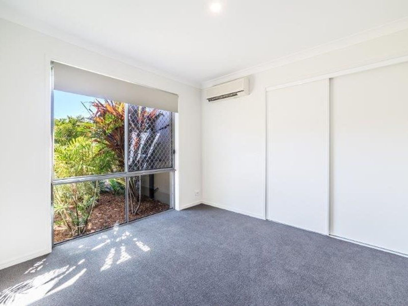 14 Howland Circuit, Pacific Pines, QLD 4211