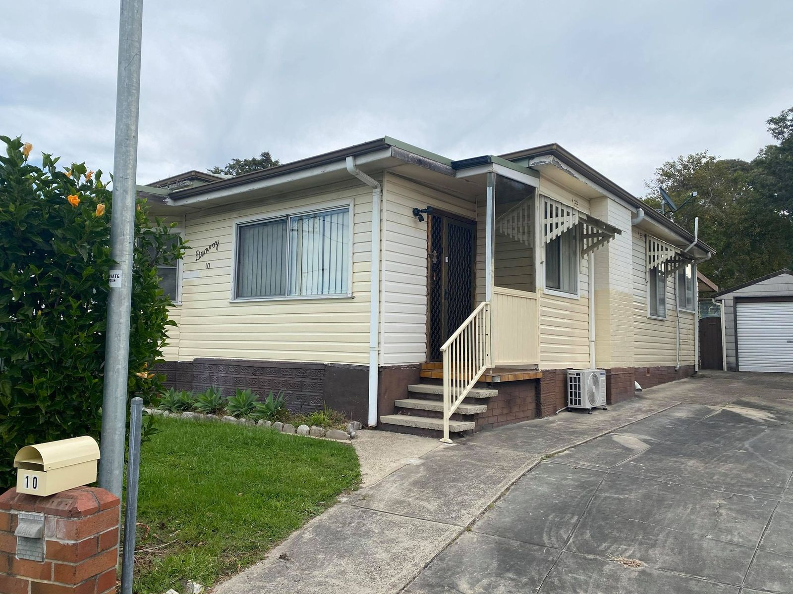 10 Floraville Road, Belmont North, NSW 2280