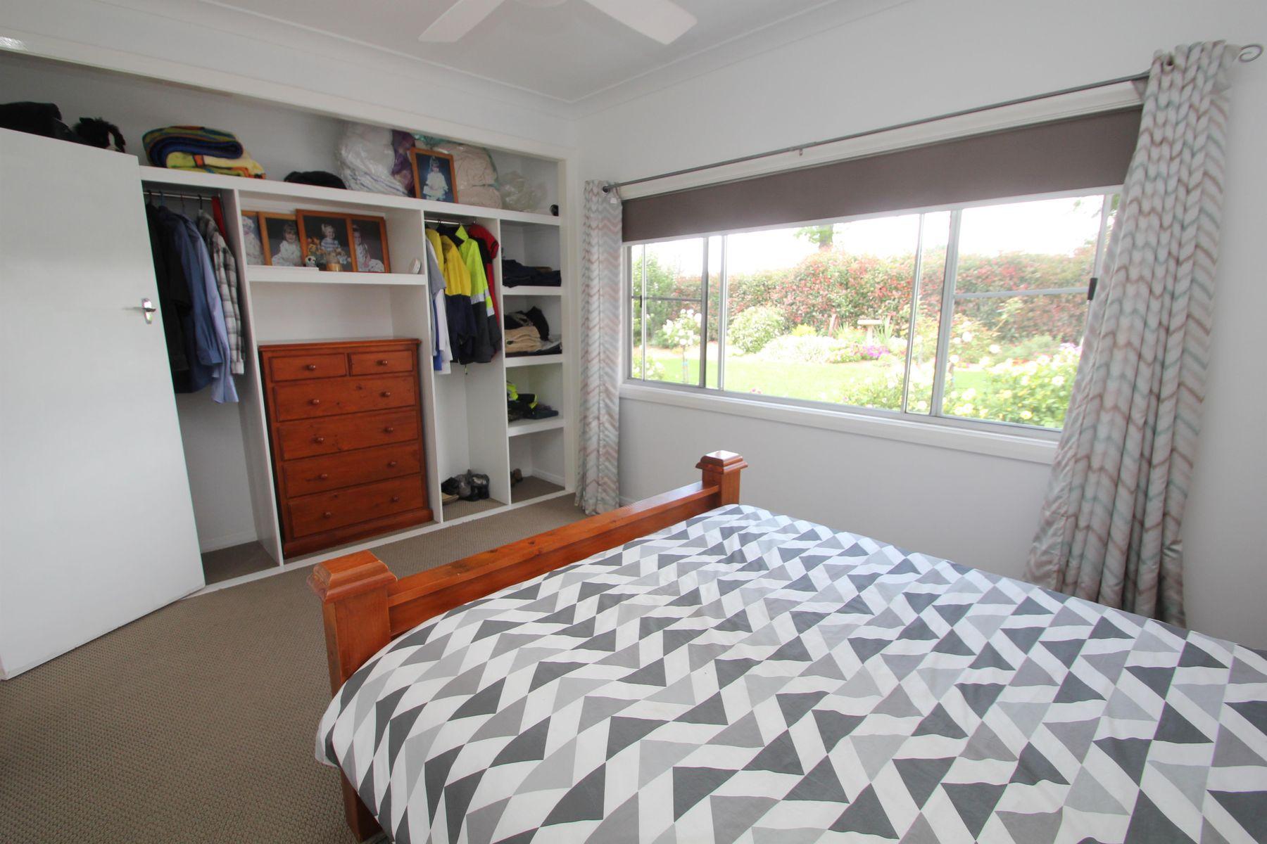 40 Cowper Street, Tenterfield, NSW 2372