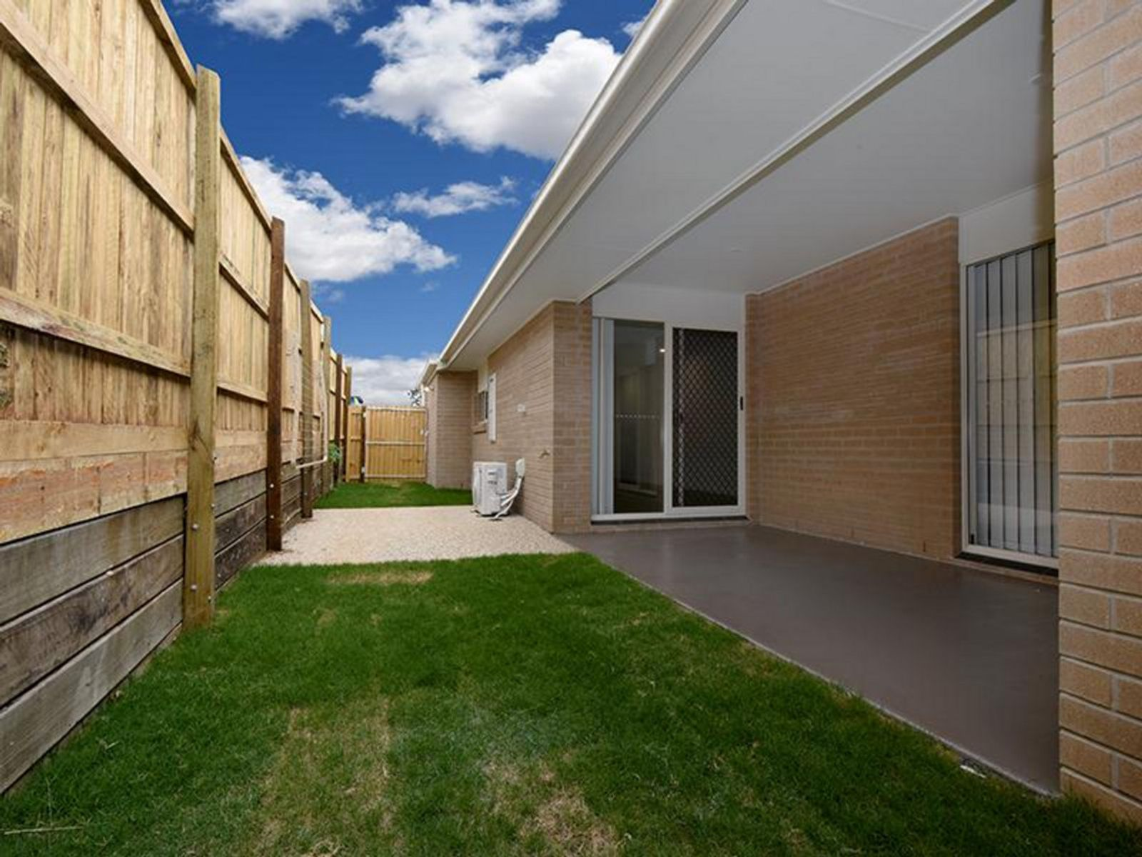 2/3 Menton Place, Harristown, QLD 4350