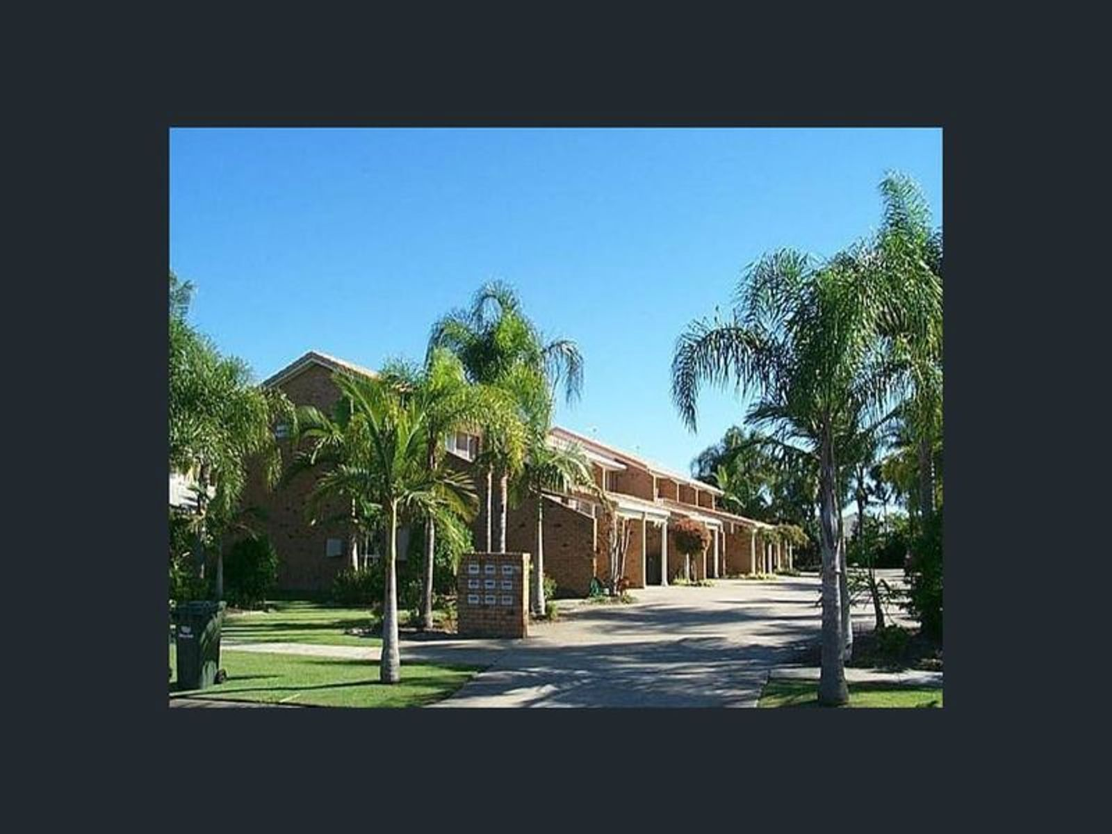 2/251 Christine Avenue, Varsity Lakes, QLD 4227