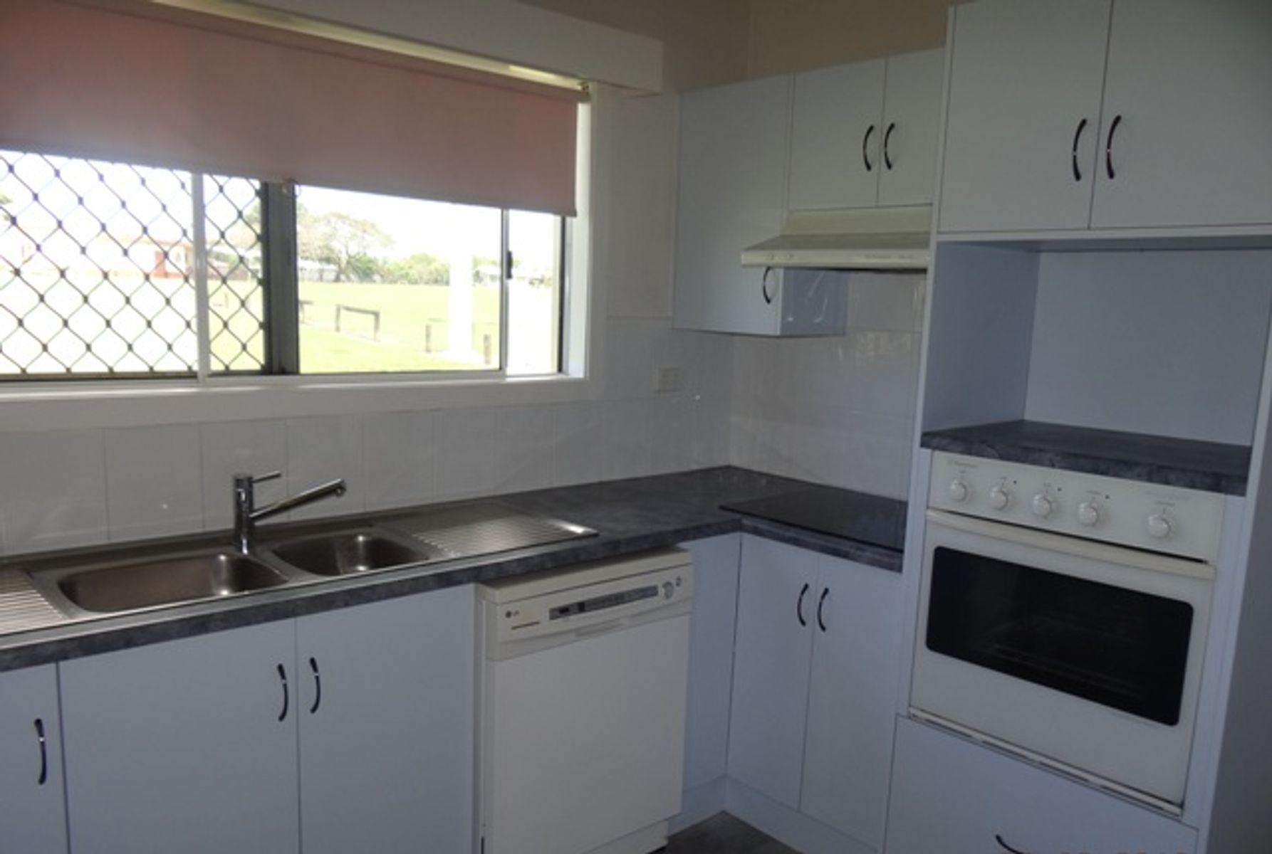 11 Graham Close, Wangan, QLD 4871