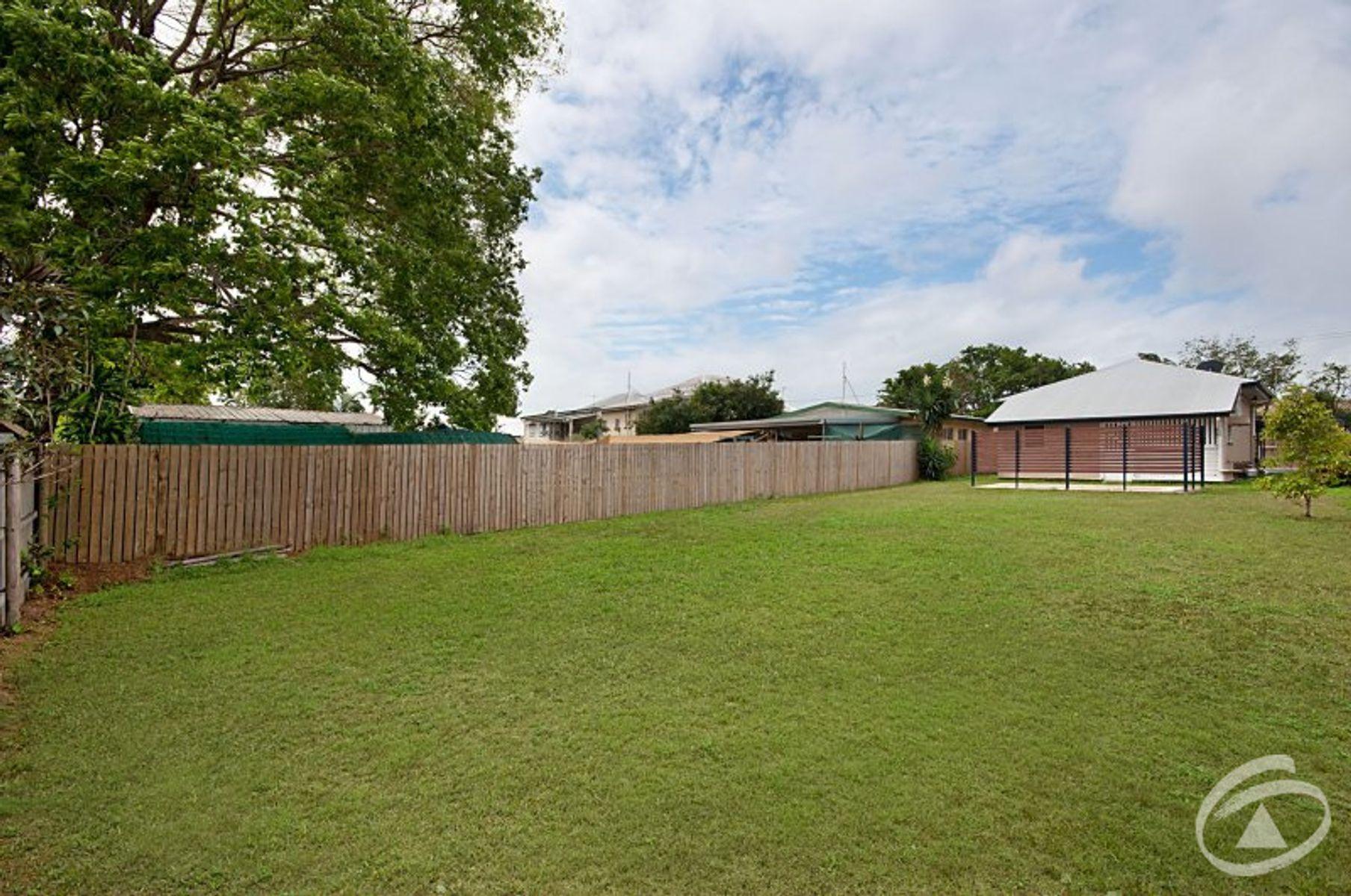 227 Lyons Street, Westcourt, QLD 4870