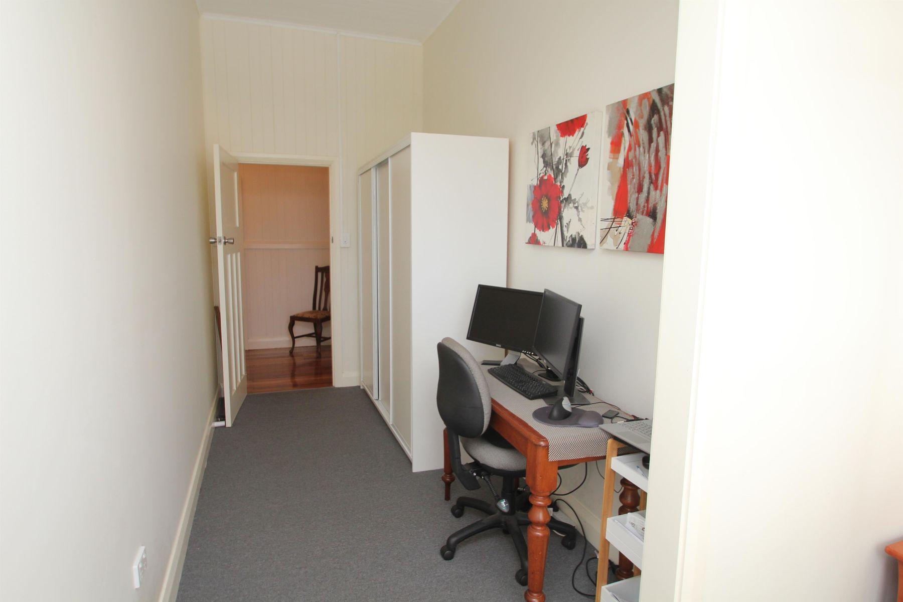72 Martin Street, Tenterfield, NSW 2372