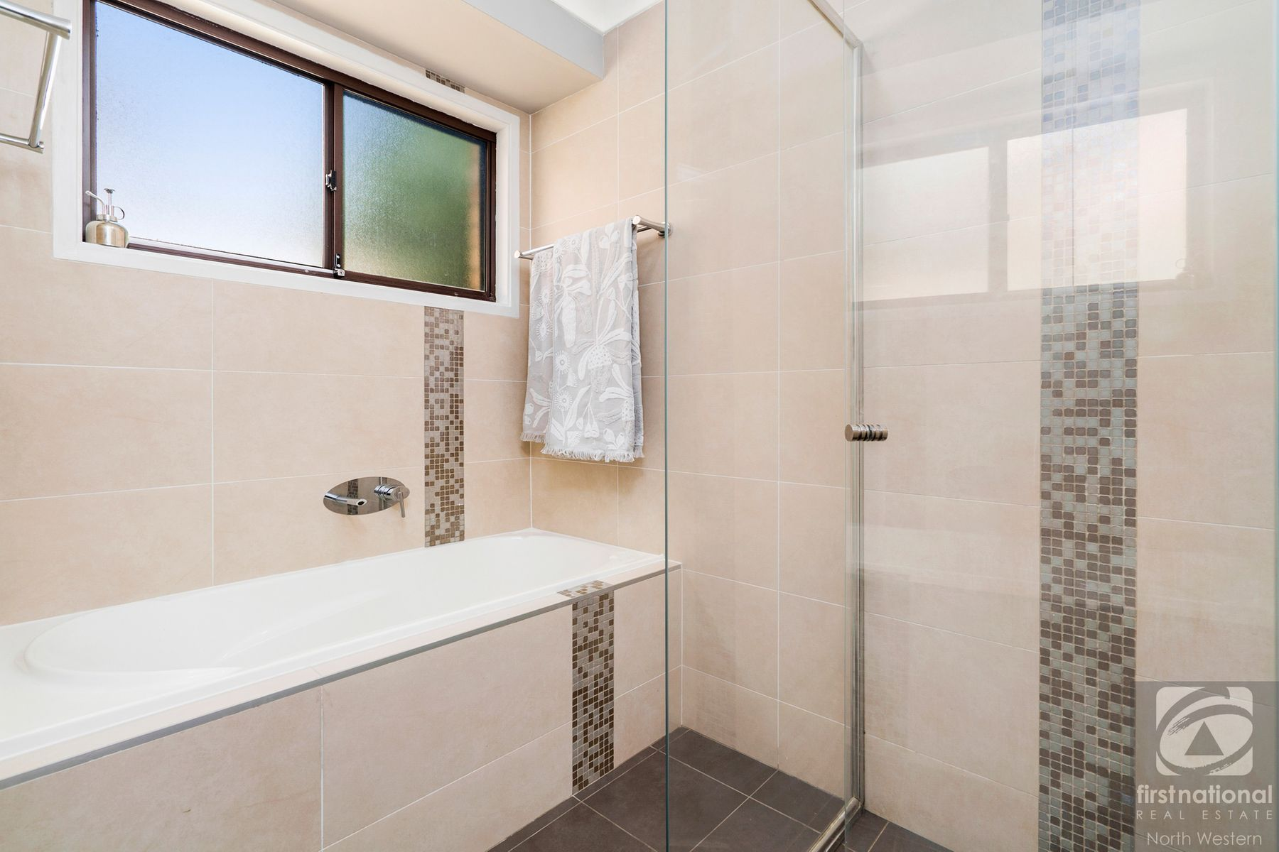 10 Milburn Street, Quakers Hill, NSW 2763