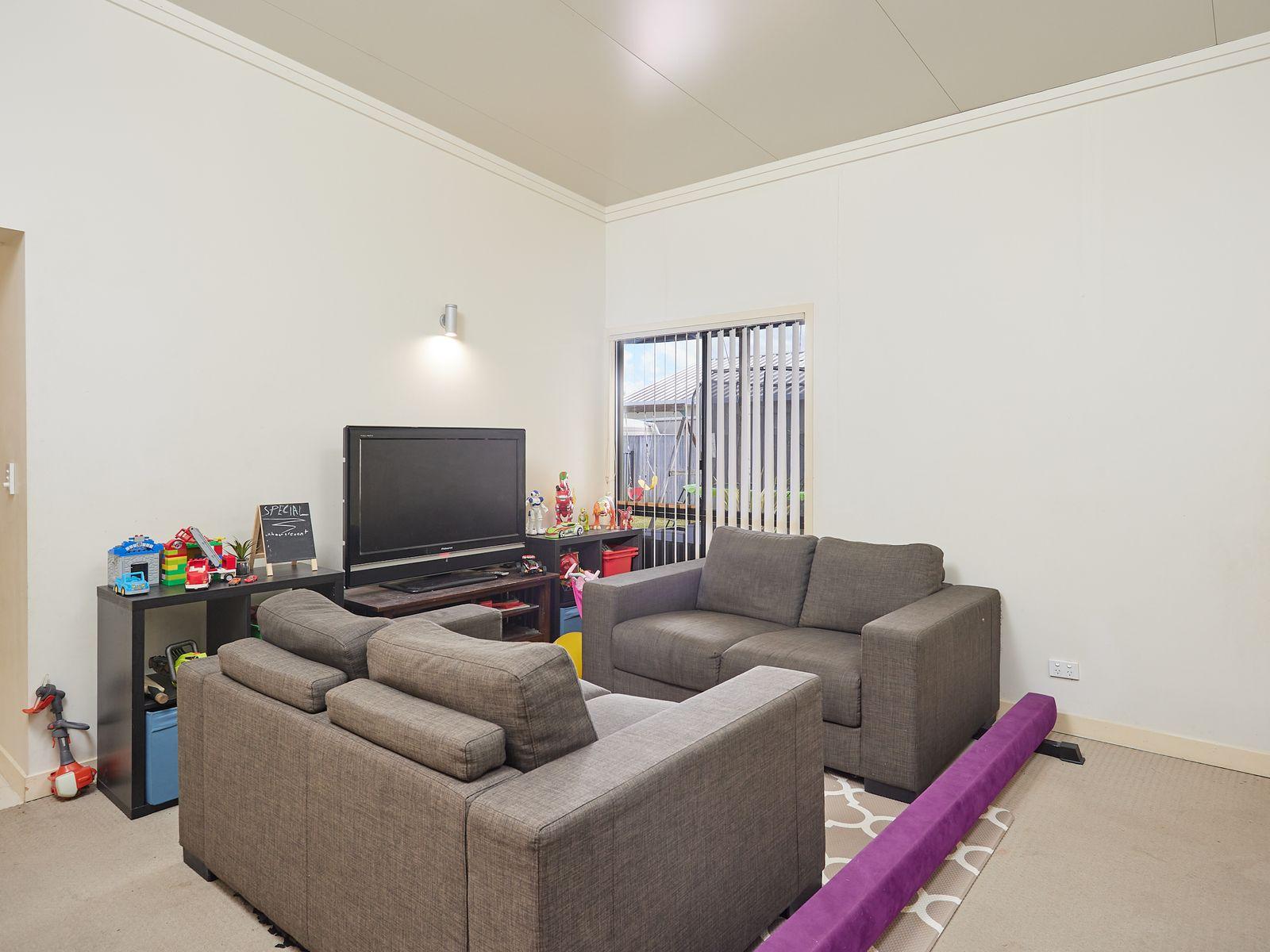 8 Deepak Drive, Pimpama, QLD 4209