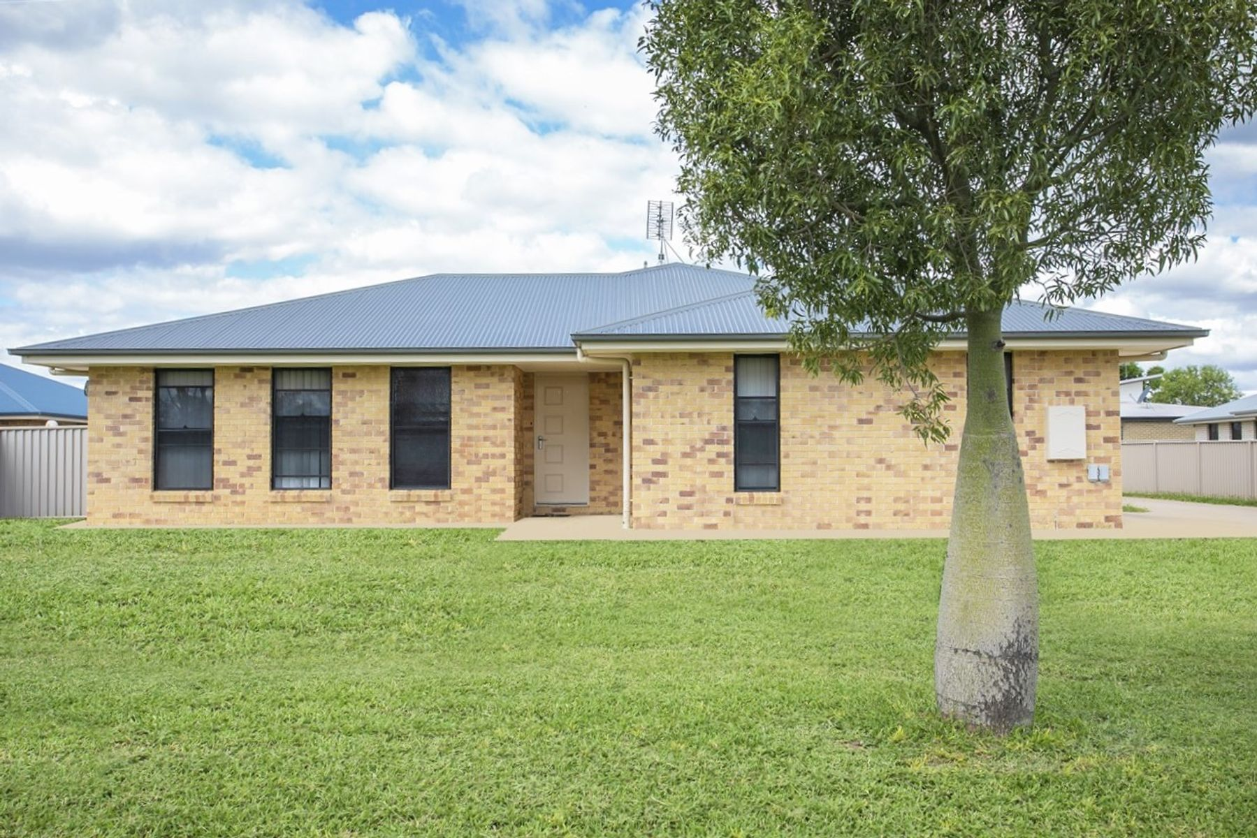 Unit A & B/51 Gaske Lane, Chinchilla, QLD 4413