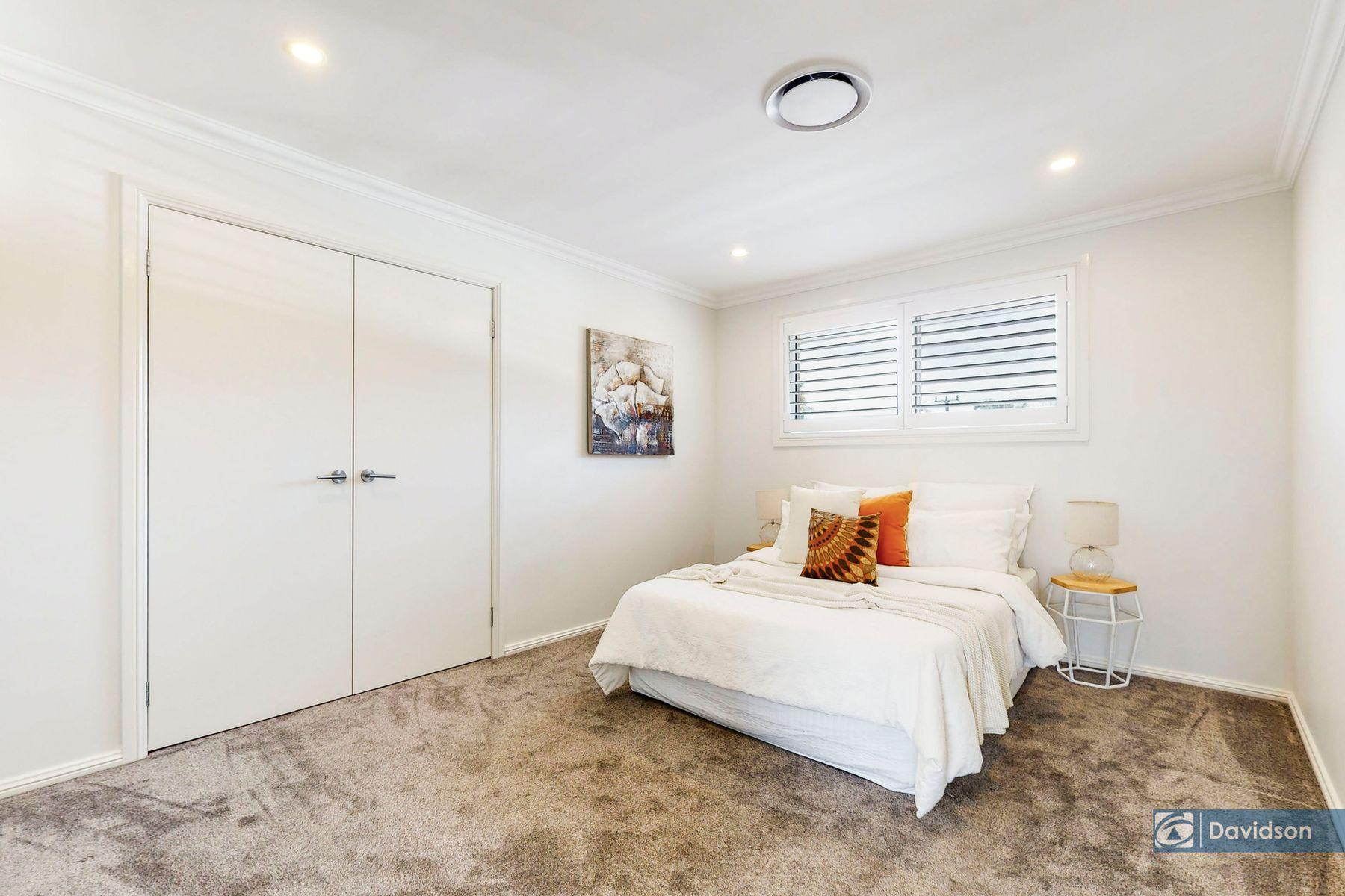 35 Brallos Avenue, Holsworthy, NSW 2173