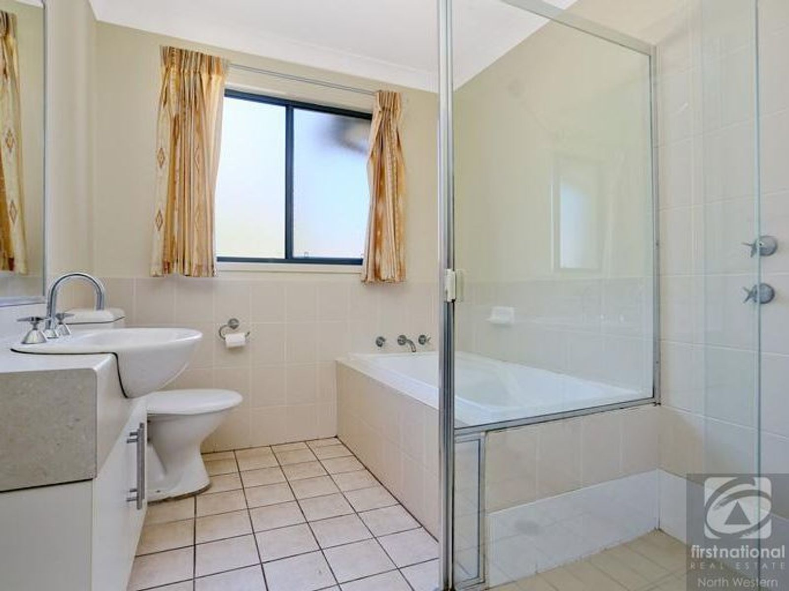 30 Tree Top Circuit, Quakers Hill, NSW 2763