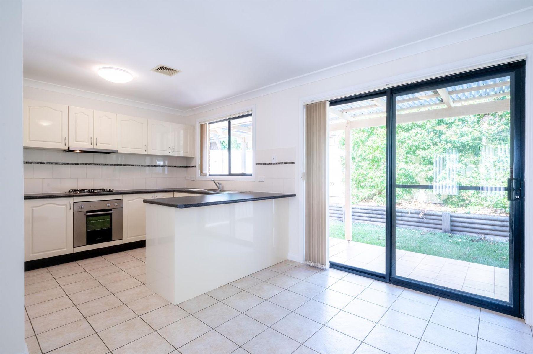 2/14-16 Kenneth Avenue, Baulkham Hills, NSW 2153