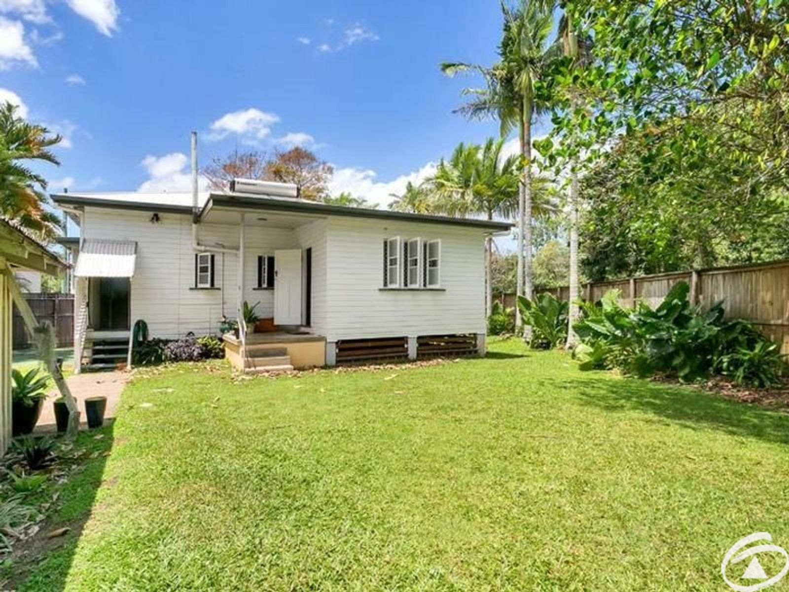 2/42 Lily Street, Cairns North, QLD 4870