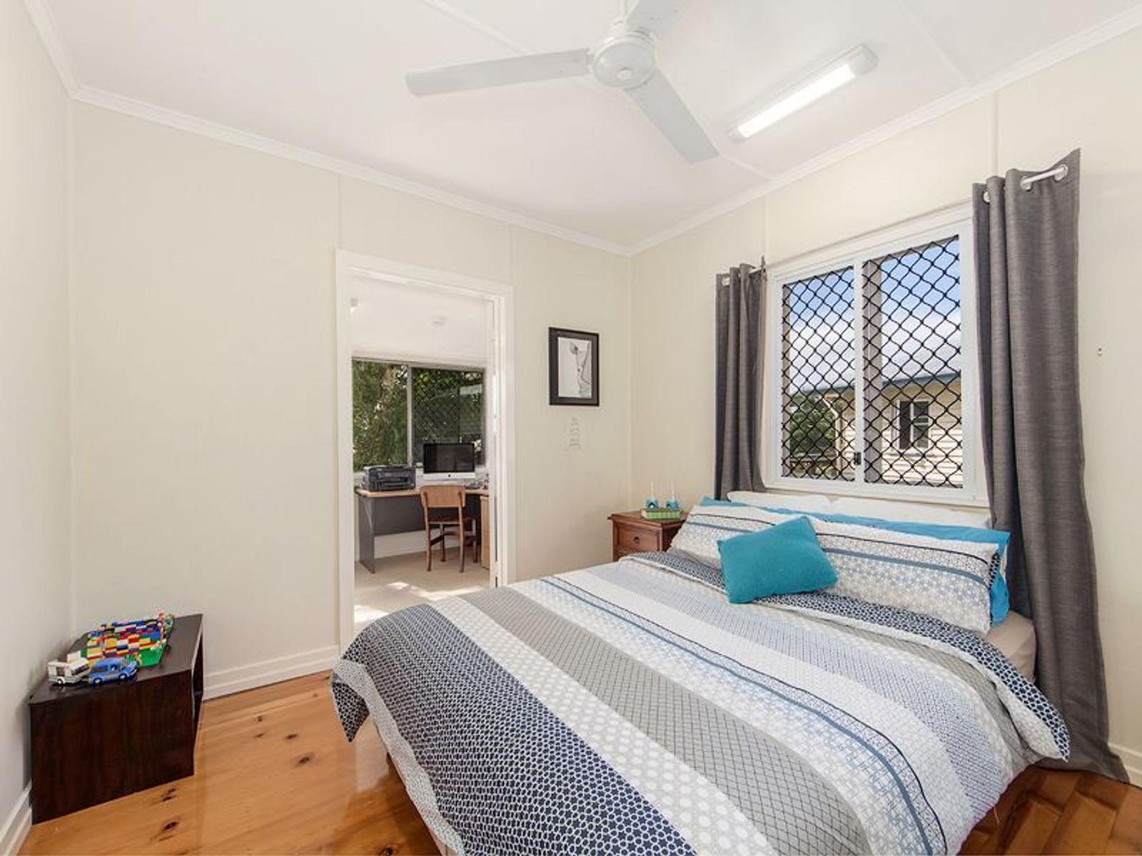 16 Dorothy Street, Silkstone, QLD 4304