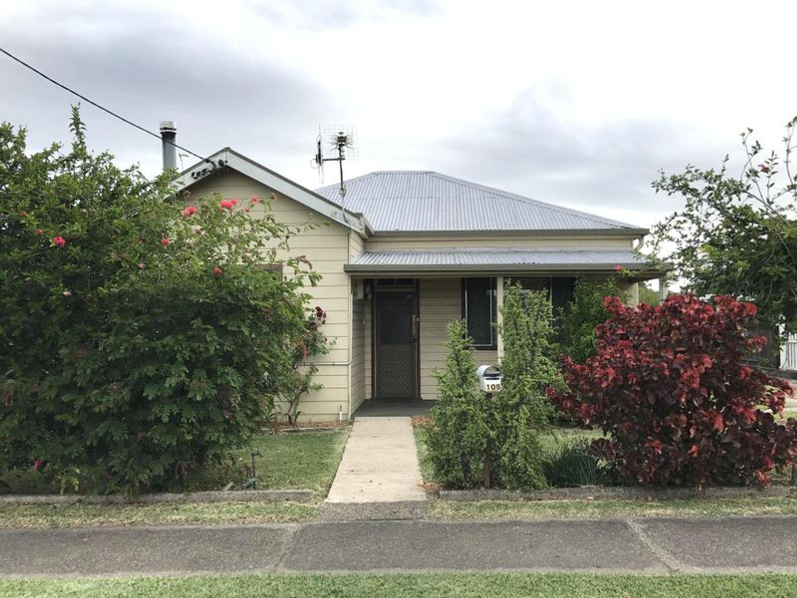 108 Commerce Street, Taree, NSW 2430