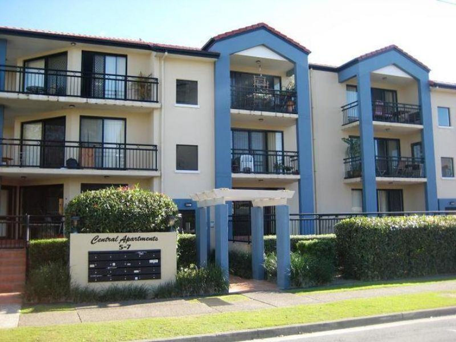 16/5-7 Railway Street, Southport, QLD 4215