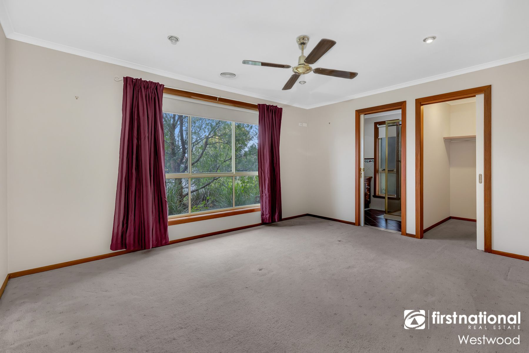 18 Hawkesbury Road, Werribee, VIC 3030