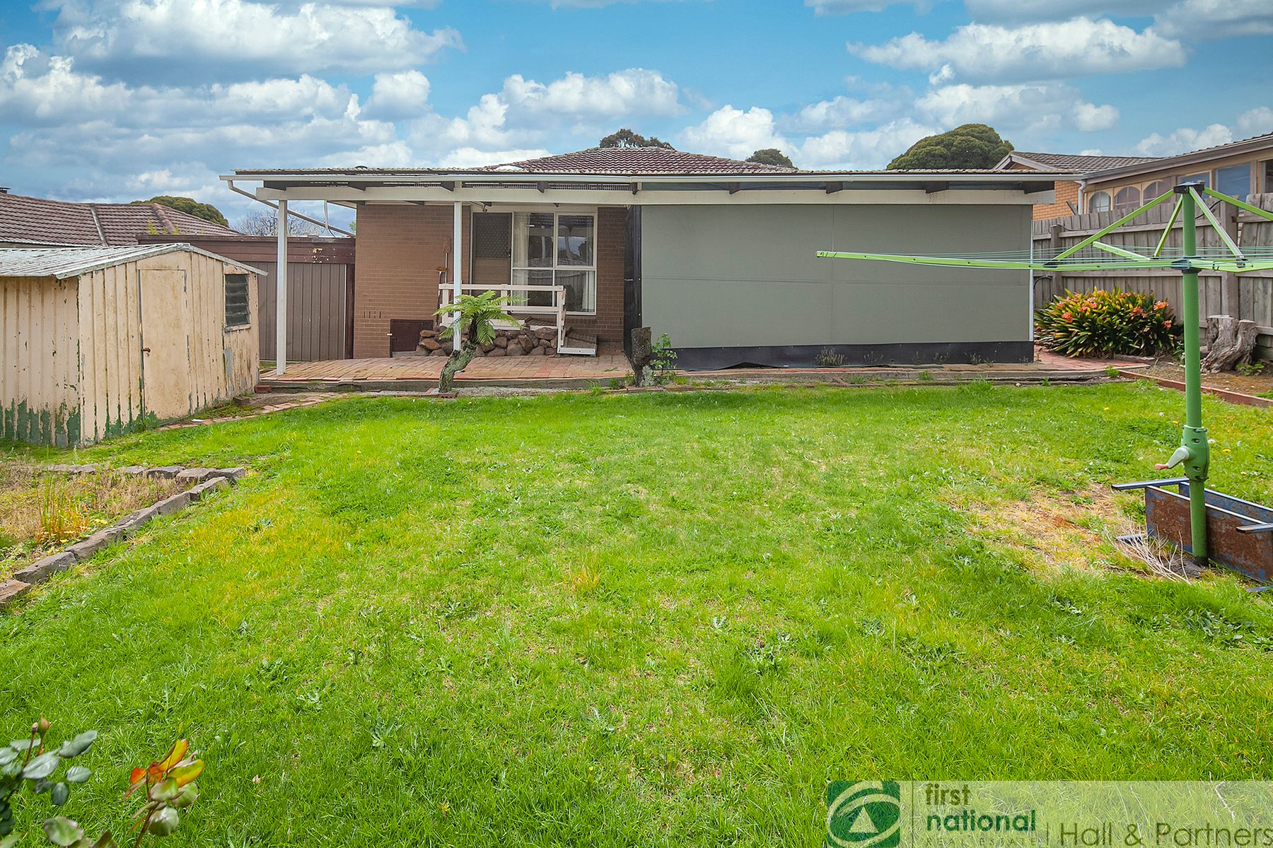 6 Isaac Smith Crescent, Endeavour Hills, VIC 3802