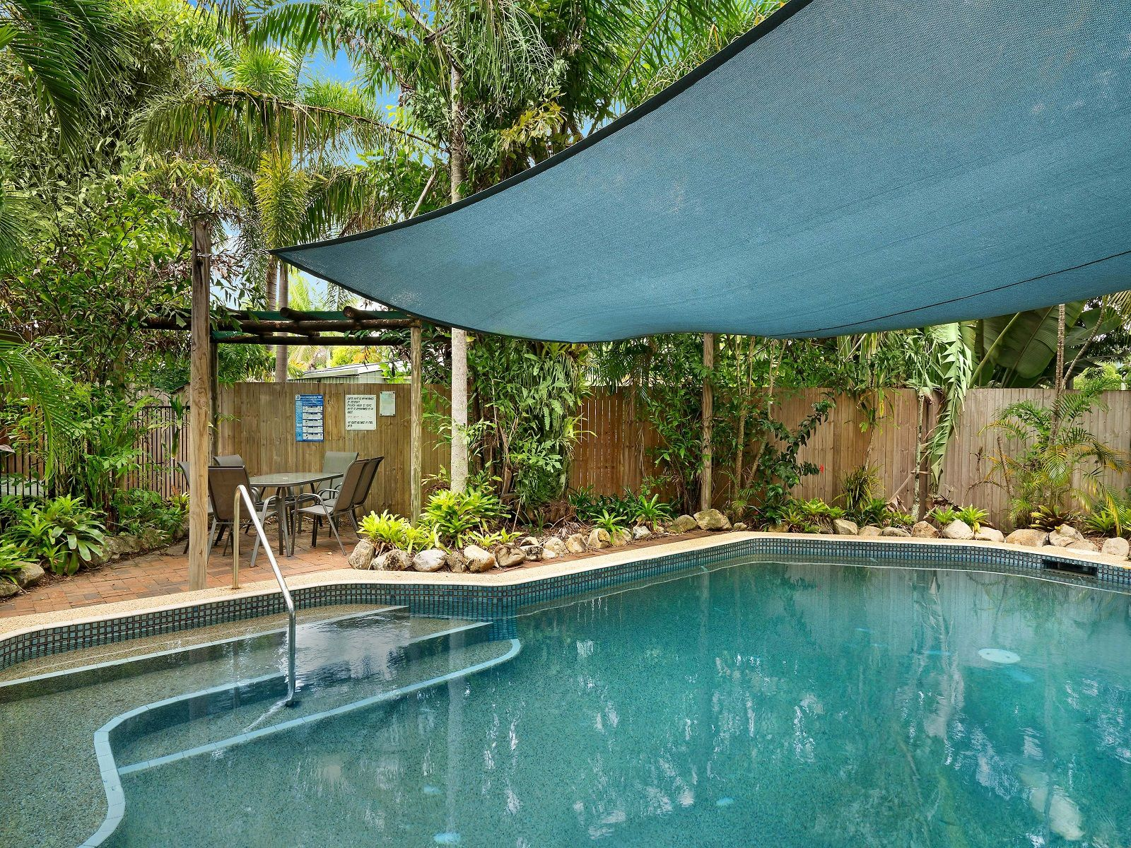 2/21-31 Poinciana Street, Holloways Beach, QLD 4878