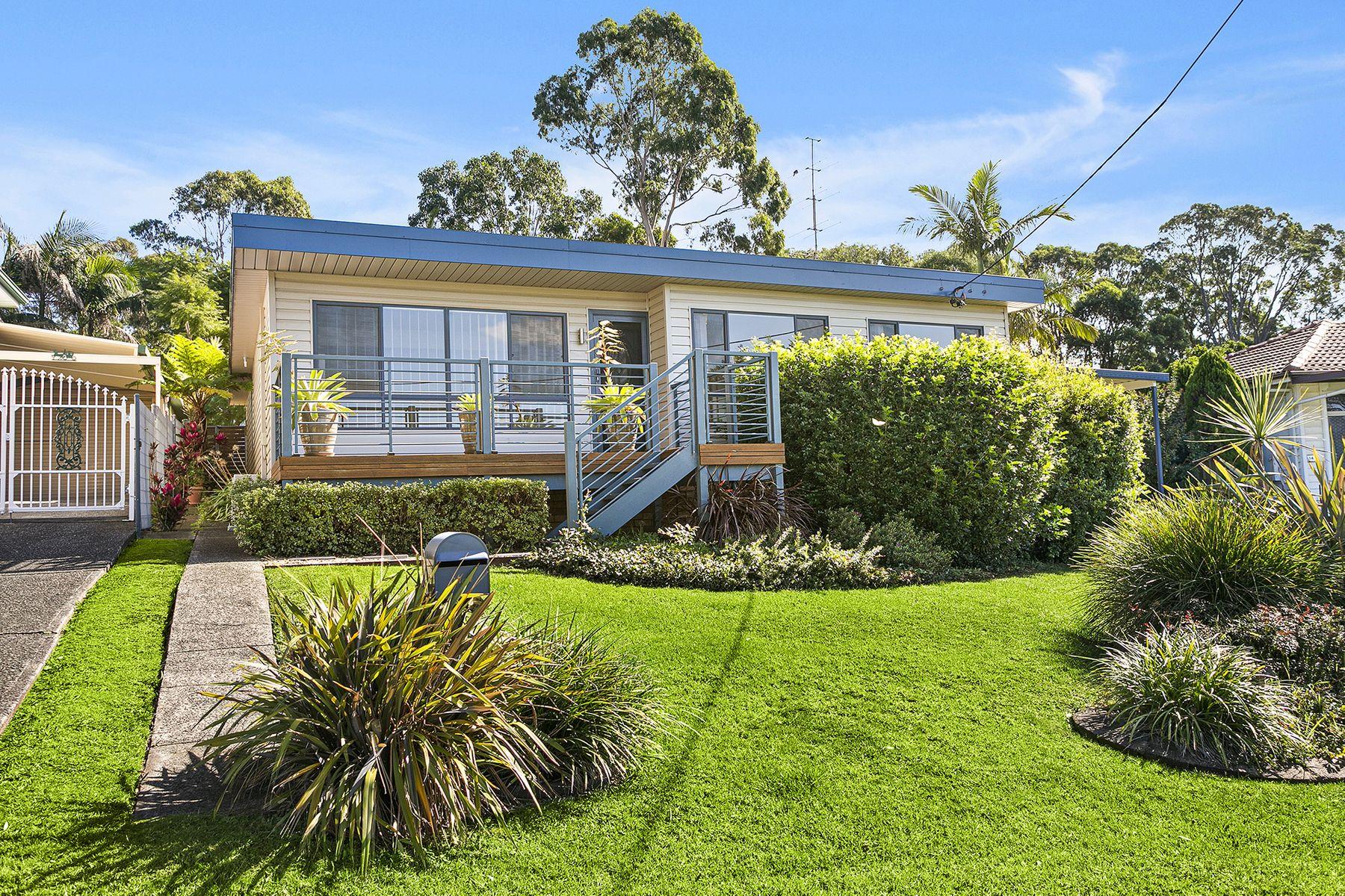 16 Normandie Place, Unanderra, NSW 2526