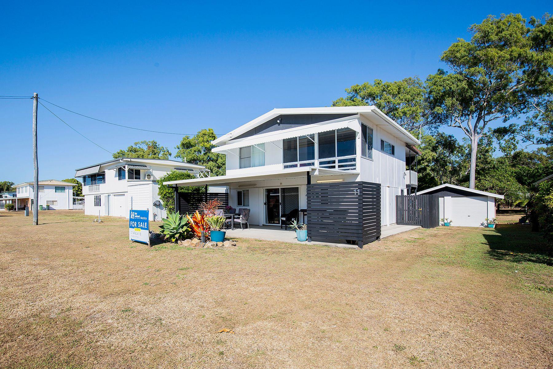 11 Redcliffe Avenue, Seaforth, QLD 4741