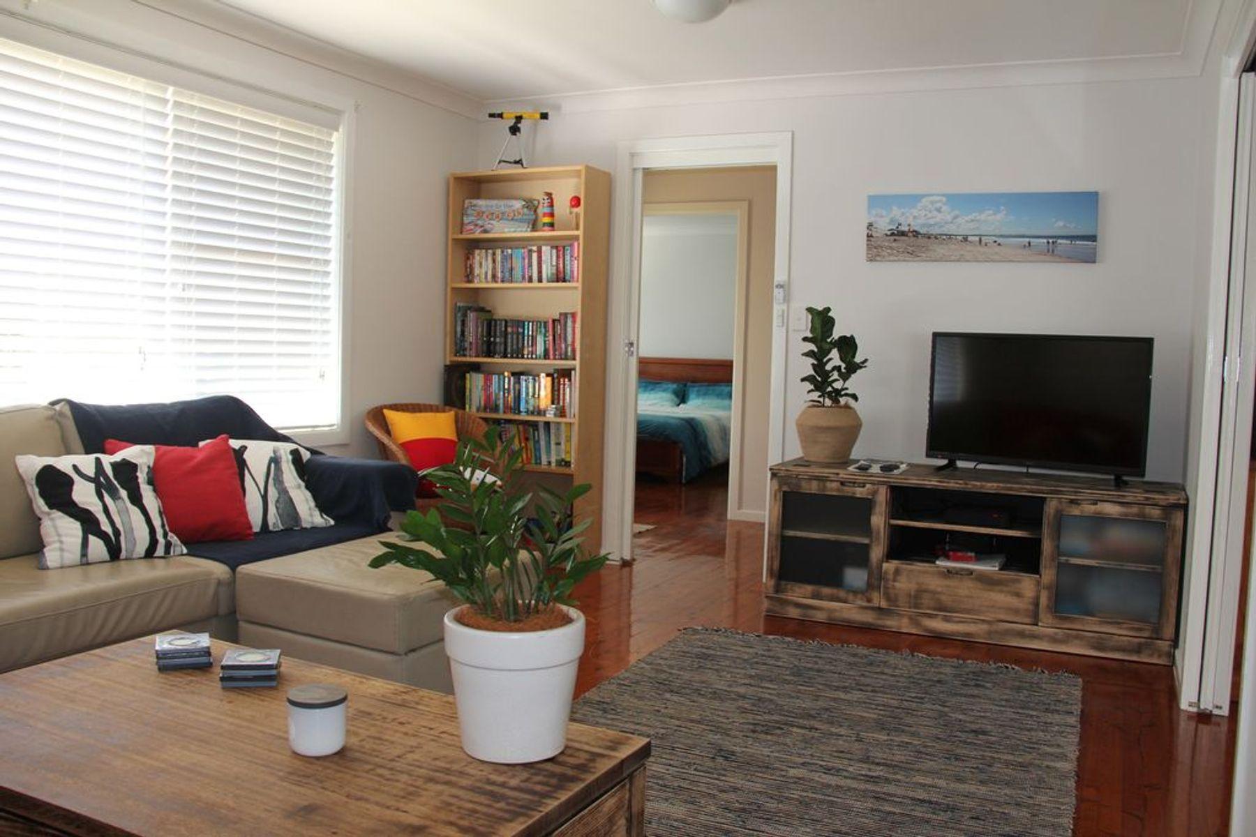 17 Cooloon Street, Hawks Nest, NSW 2324