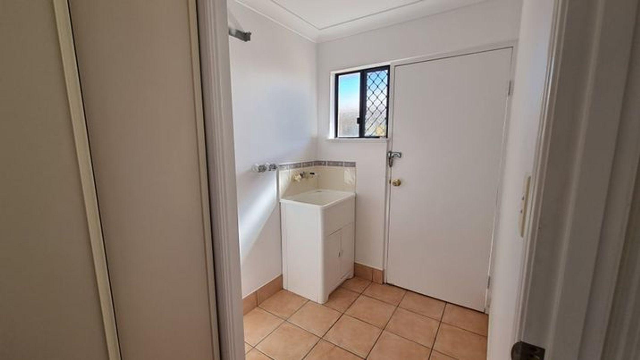 10 Gable Street, Koongal, QLD 4701