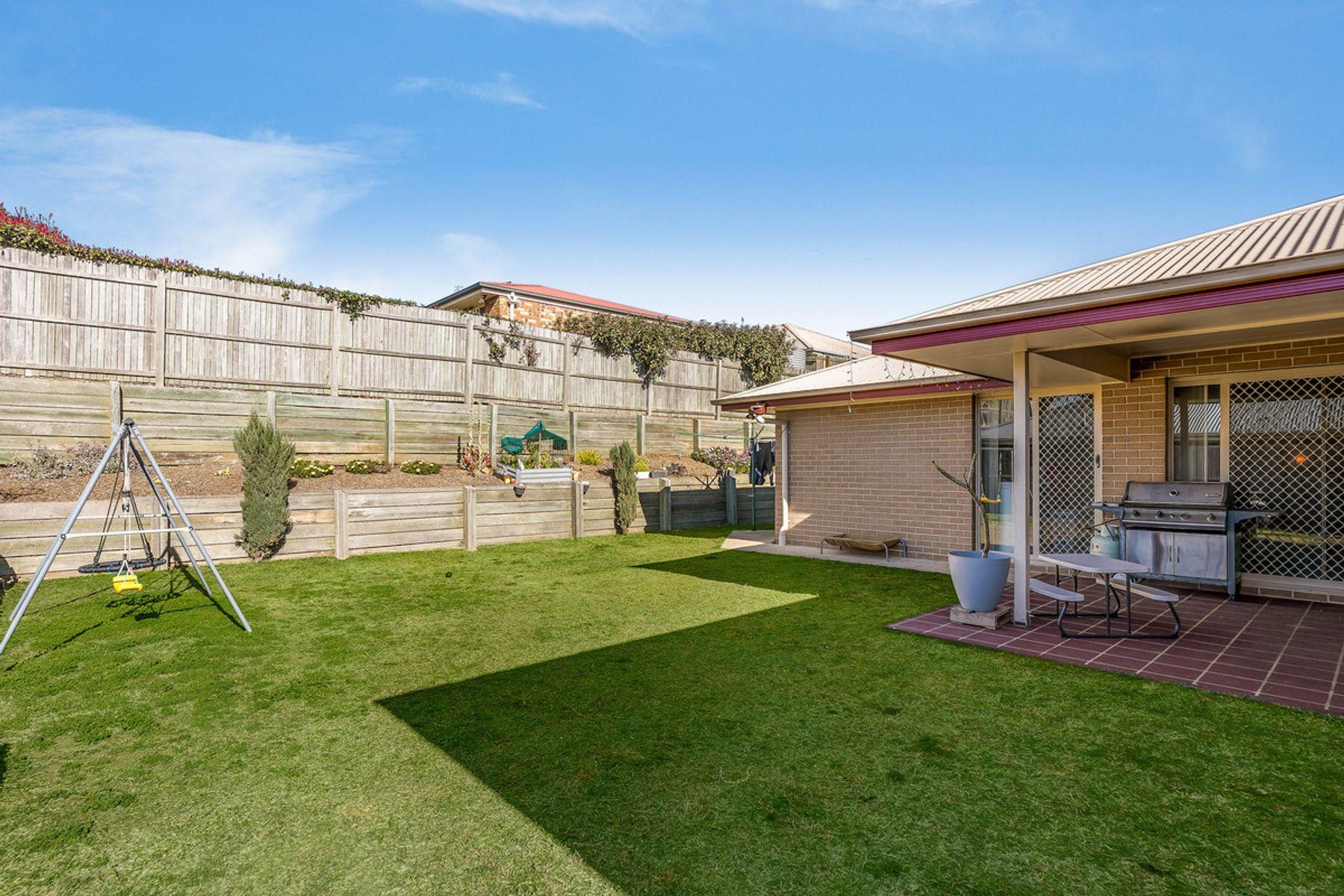 10 Cuttaburra Crescent, Glenvale, QLD 4350
