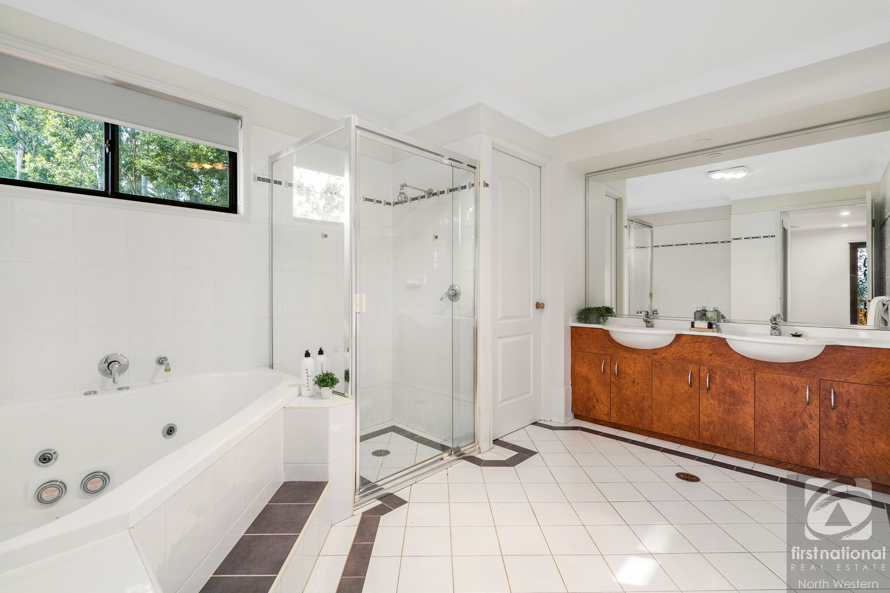 42 Winchcombe Place, Castle Hill, NSW 2154